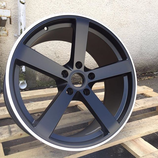 New 18 Quot Fox Ms003 Alloys In Satin Black With Polished Lip