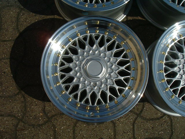 "NEW 16"" RS ALLOY WHEELS IN SILVER POLISHED FINISH WITH GOLD RIVETS, VERY DEEP 9"" REAR et15/15"