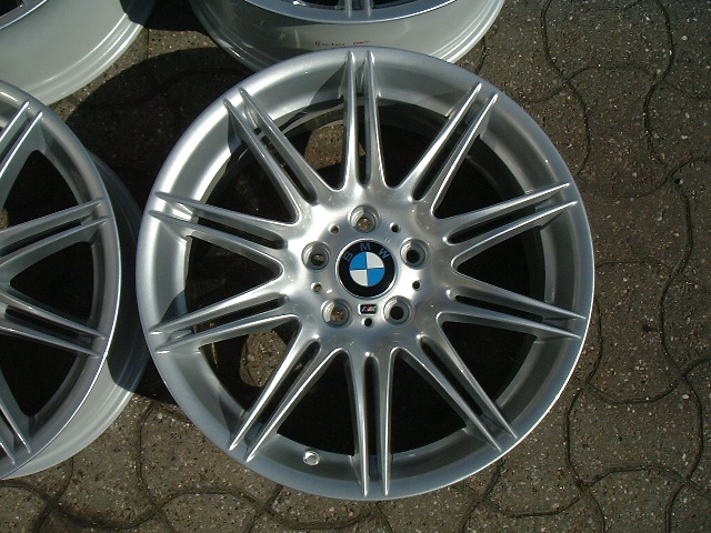 "USED 19"" GENUINE STYLE 225M E92 M SPORT ALLOY WHEELS, WIDE REAR, FULLY REFURBED"