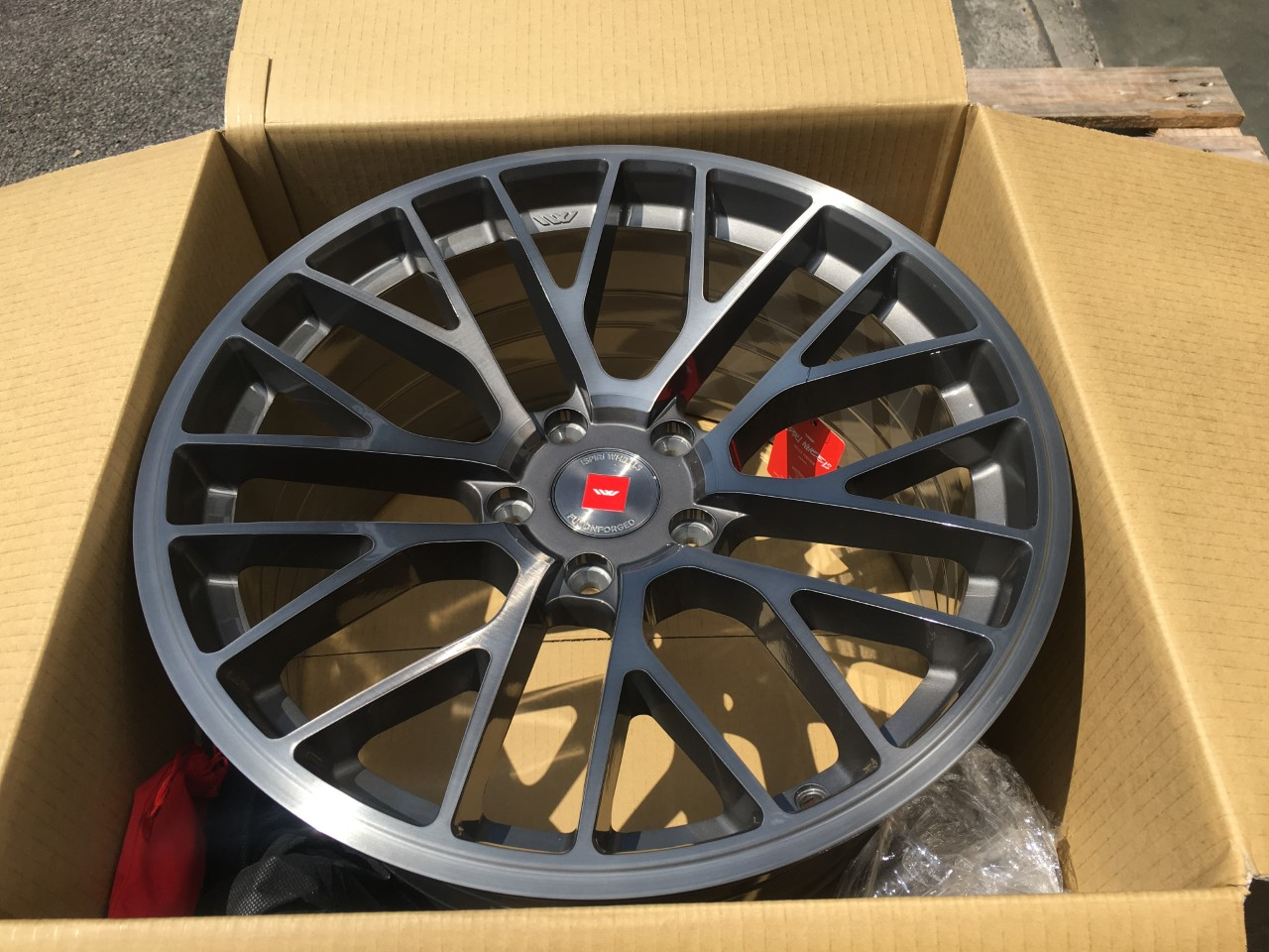 New 19 Quot Ispiri Ffp1 Alloy Wheels In Carbon Grey Brushed