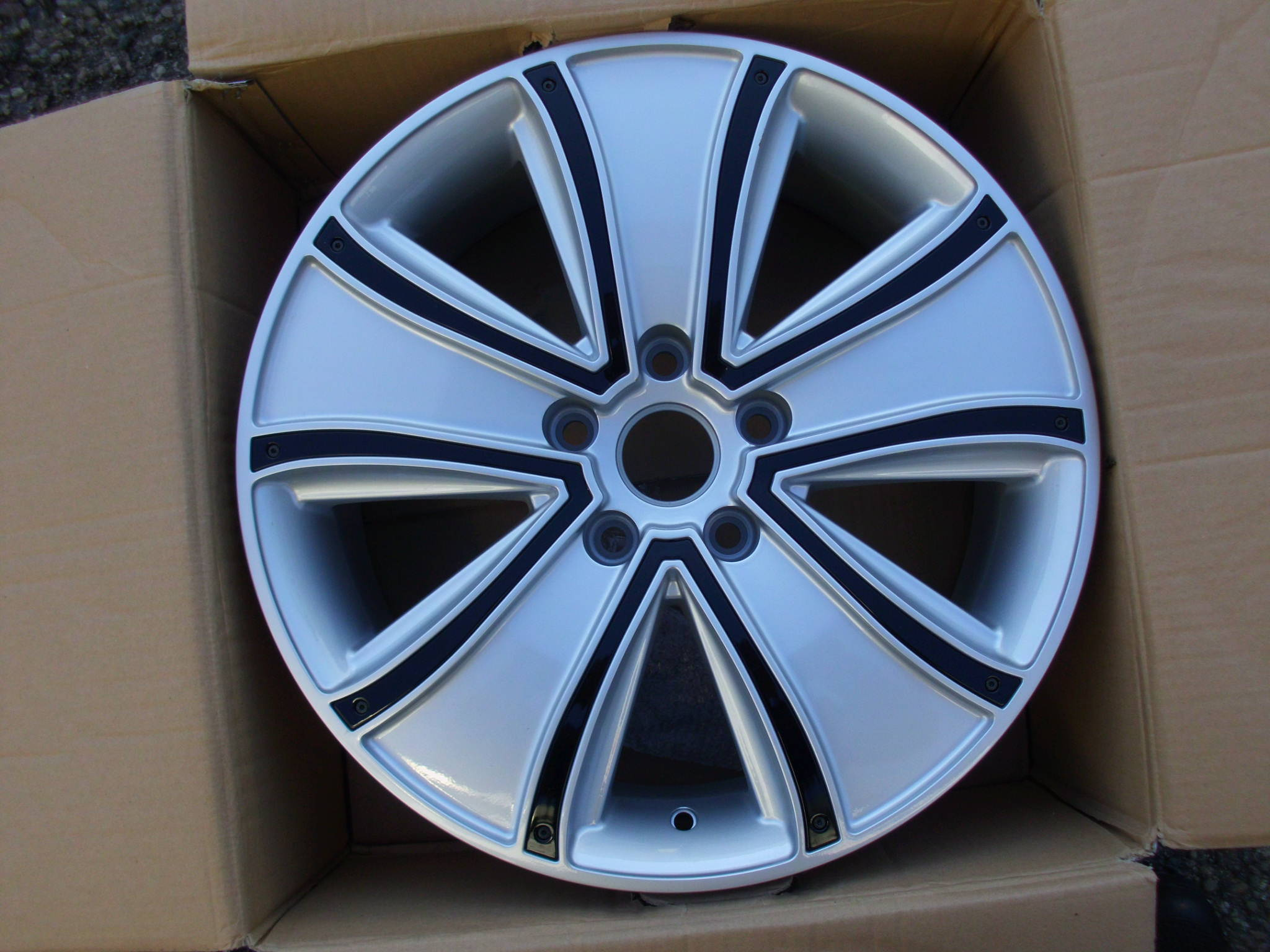 "NEW SINGLE 18"" BOSS ENVOY ALLOY WHEEL, 8"" et45 5x118 VAUXHALL VIVARO"