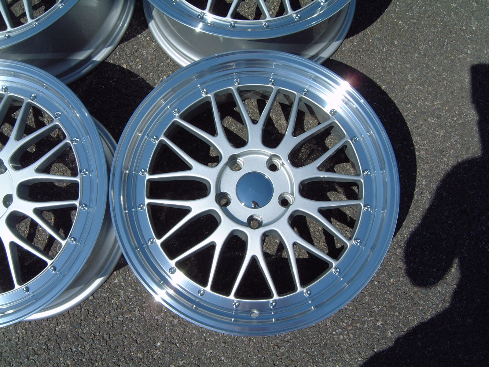 "NEW 19"" LM CROSS SPOKE SPLIT RIM STYLE ALLOYS IN SILVER, DEEPER 9.5"" REARS"