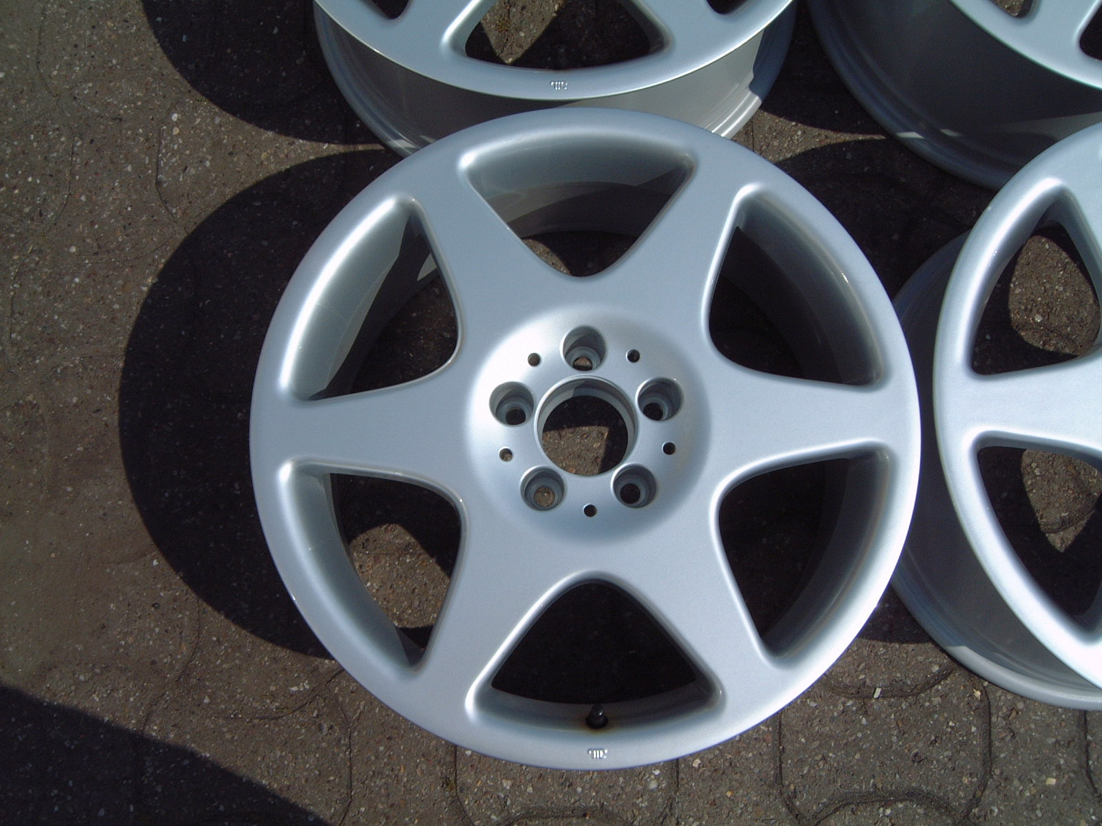 "NEW 18"" GENUINE MERCEDES 6 SPOKE EVO ALLOYS, 9"" ET52"