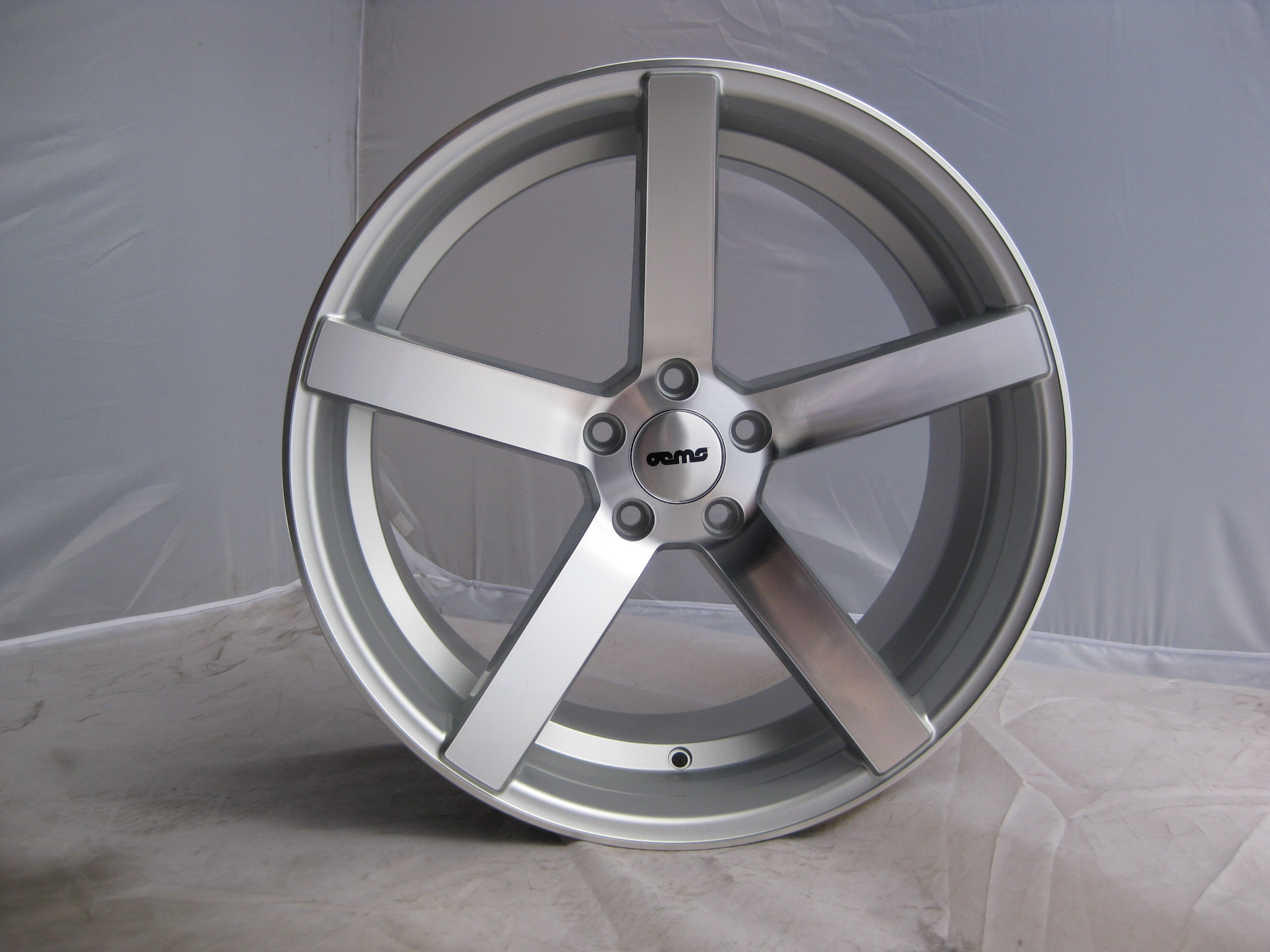 "NEW 18"" OEMS 115 DEEP CONCAVE ALLOY WHEELS IN SILVER POL WITH DEEP DISH, WIDER 9"" REAR"