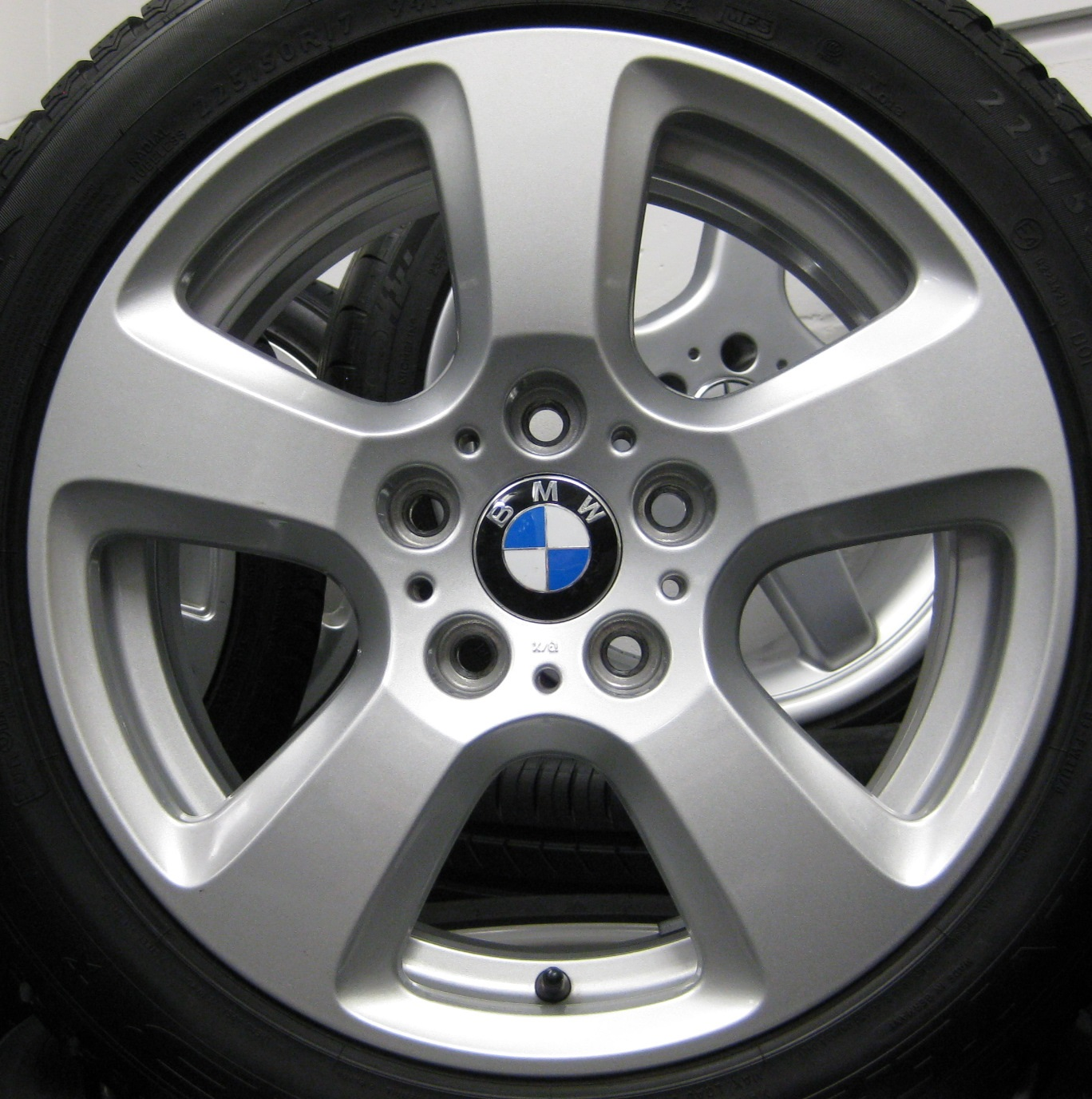 "USED 17"" GENUINE BMW STYLE 243 5 SPOKE ALLOY WHEELS, VGC INC NEW WINTER NANKANG SV2 TYRES"