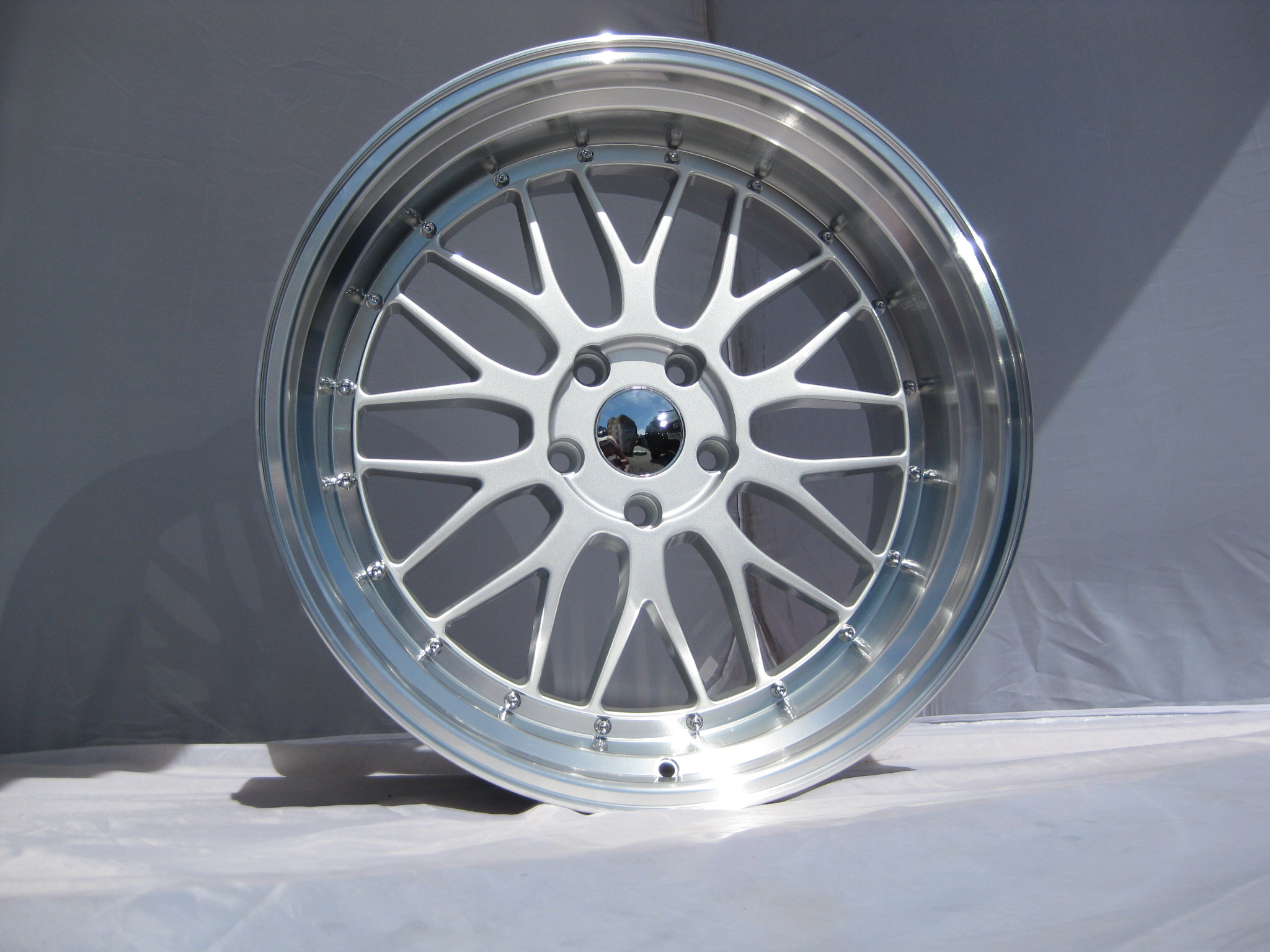"NEW 20"" LM STYLE ALLOYS IN SILVER, VERY DEEP DISH WITH MASSIVE 10.5"" REARS"