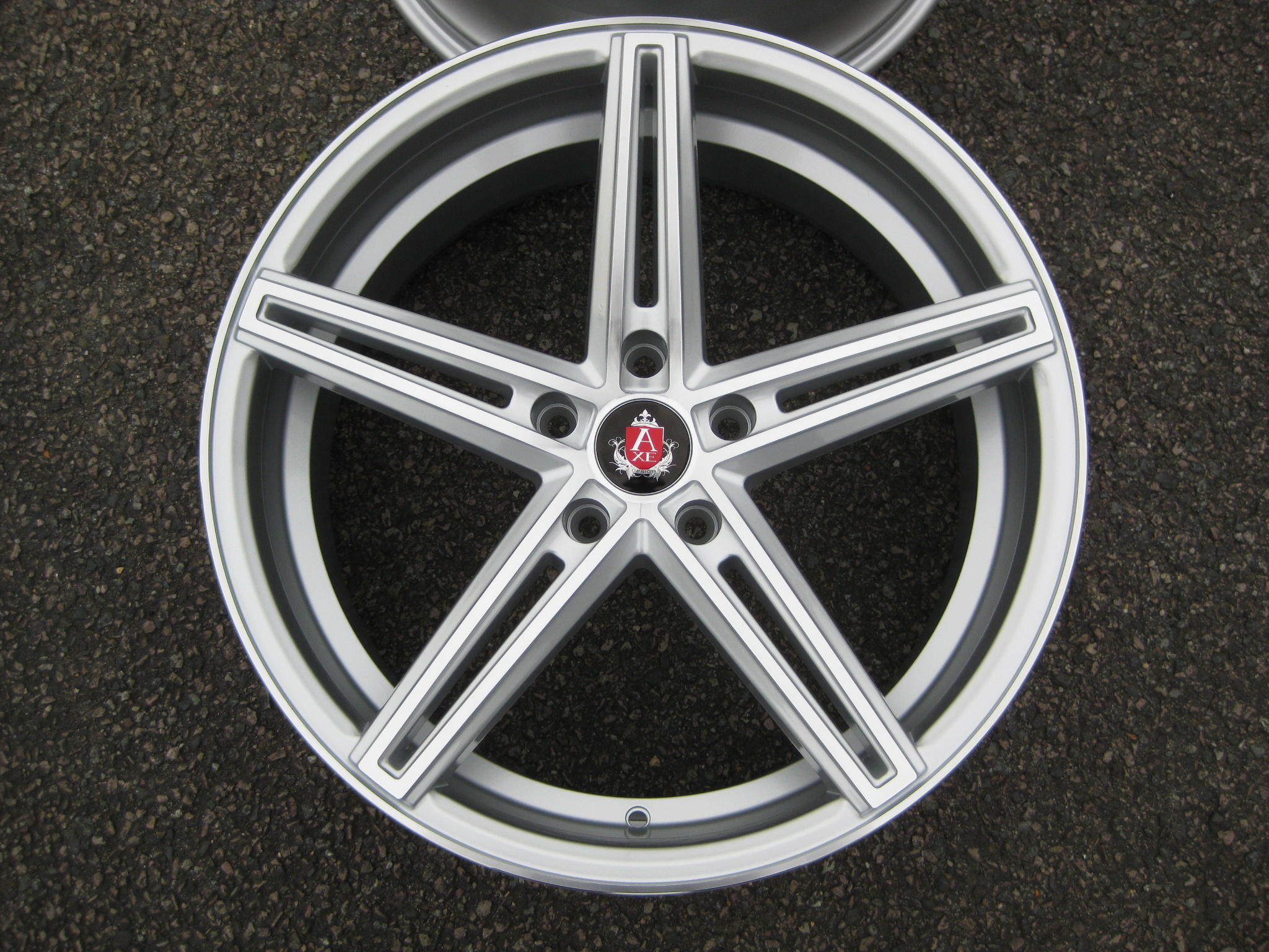 "NEW 20"" AXE EX14 DEEP CONCAVE ALLOYS IN SILVER WITH POLISHED FACE AND LIP, WIDER 10.5"" REARS et40/42"