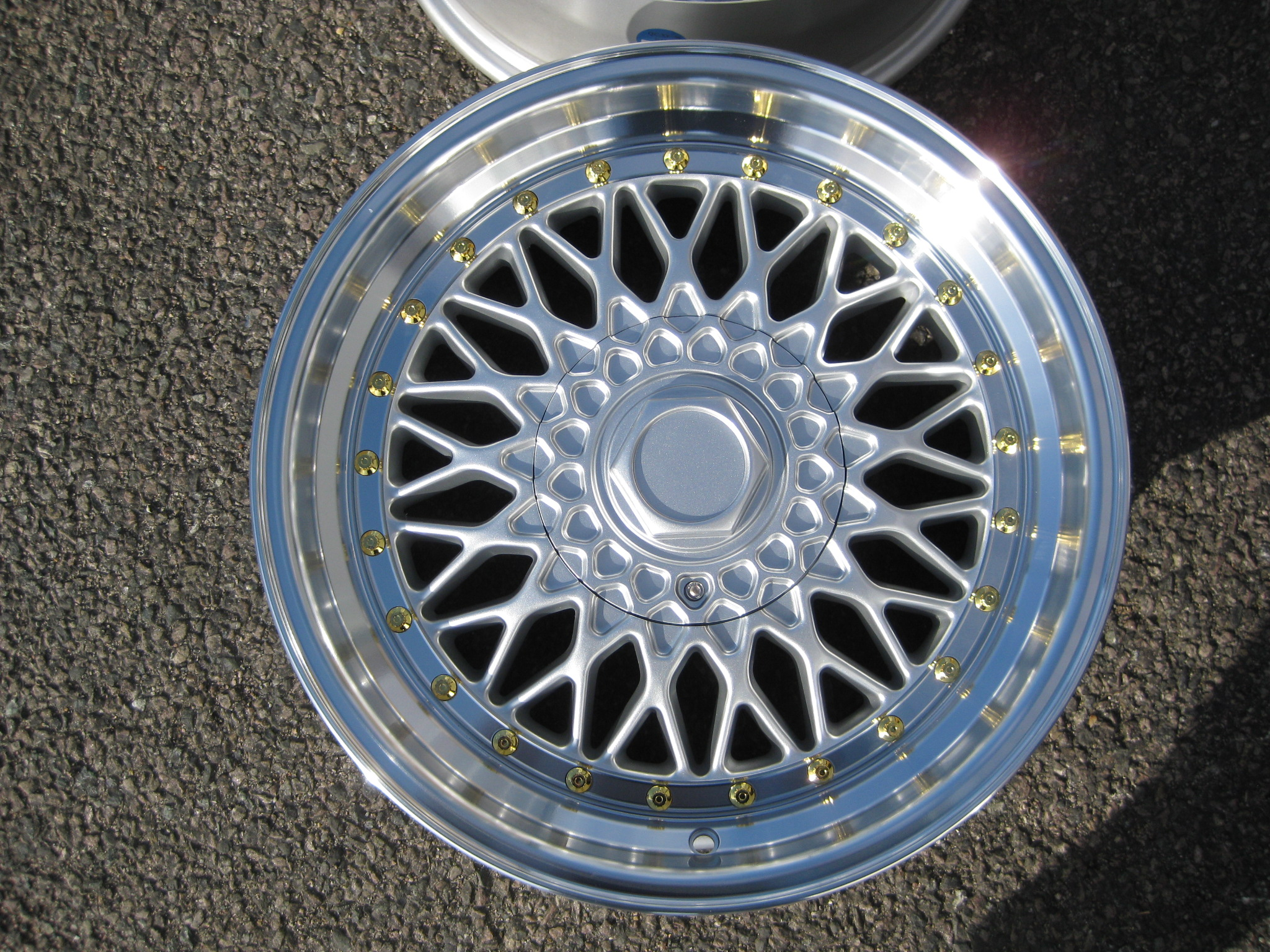 "NEW 17"" DARE RS ALLOY WHEELS IN SILVER WITH GOLD RIVETS, DEEPER DISH 8.5"" REAR. et35/30"