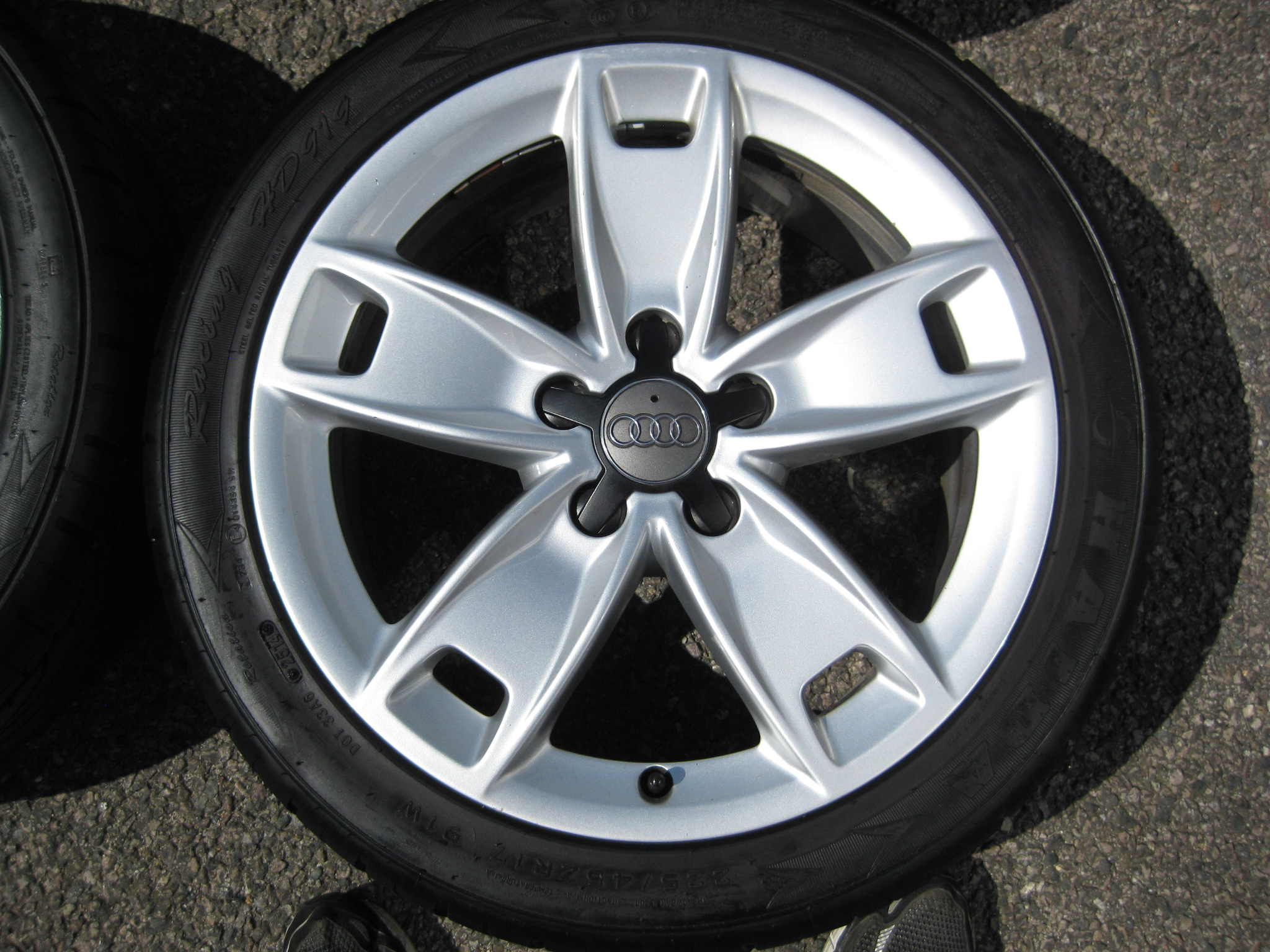 "USED 17"" GENUINE AUDI A3 SPORT/SLINE ALLOYS,CLEAN WITH GOOD TYRES"