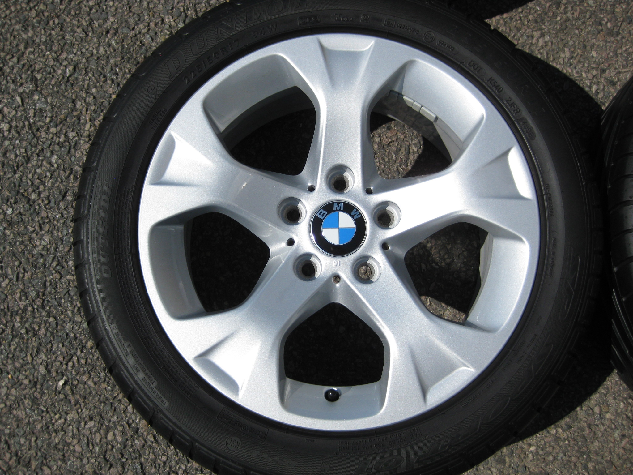 "USED 17"" GENUINE BMW STYLE 317 5 SPOKE ALLOY WHEELS, FULLY REFURBED INC VERY GOOD DUNLOP RUNFLAT TYRES"