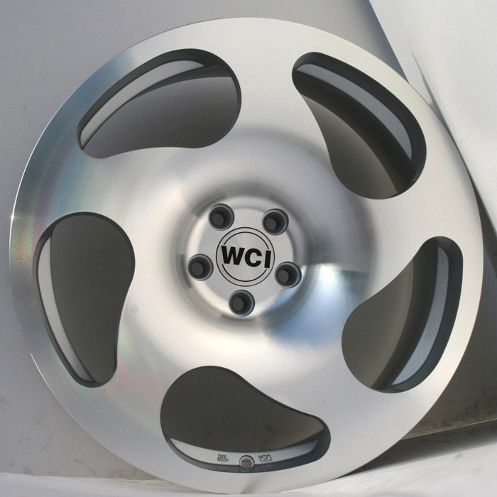 "NEW 18"" WCI CC10 CONCAVE ALLOY WHEELS IN HYPER SILVER WITH FULL POLISHED FACE"