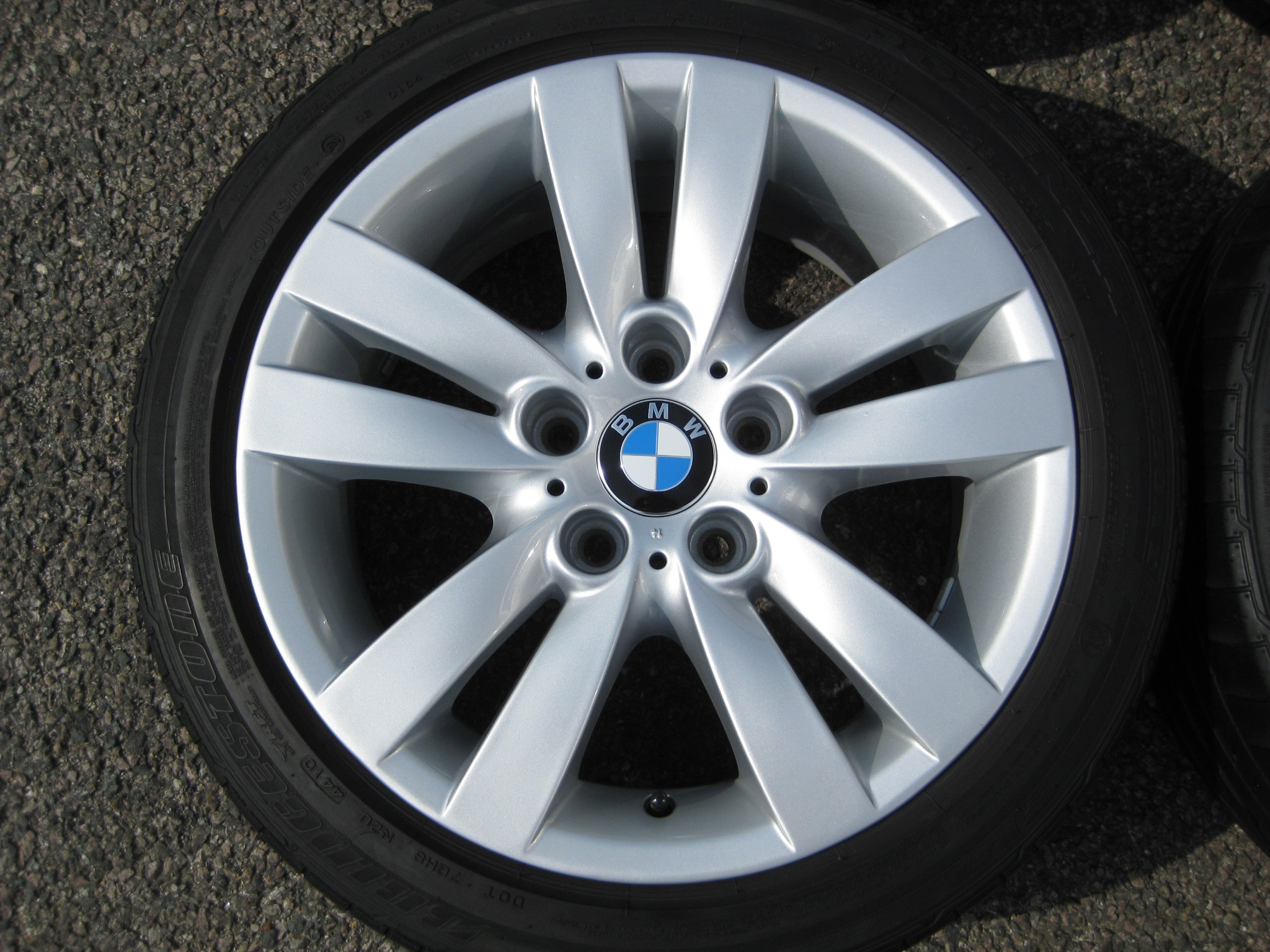 "USED 17"" GENUINE BMW STYLE 161 E9X DOUBLE SPOKE ALLOY WHEELS, WIDE REAR,FULLY REFURBED INC BRIDGESTONE RUNFLATS"