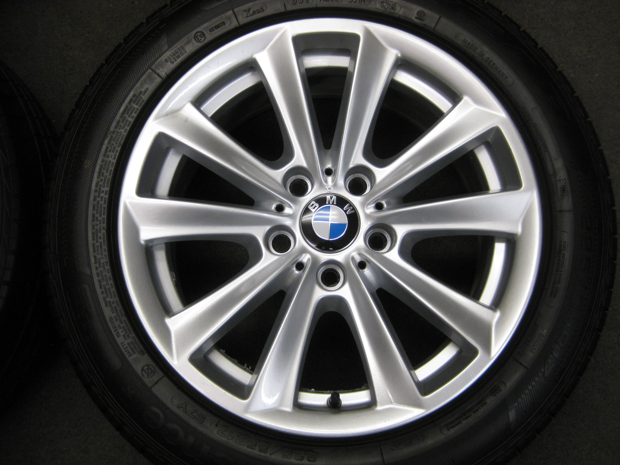 "USED 17"" GENUINE STYLE 236 F10/11 V SPOKE ALLOYS,VGC INC GOOD RUNFLATS TYRES"
