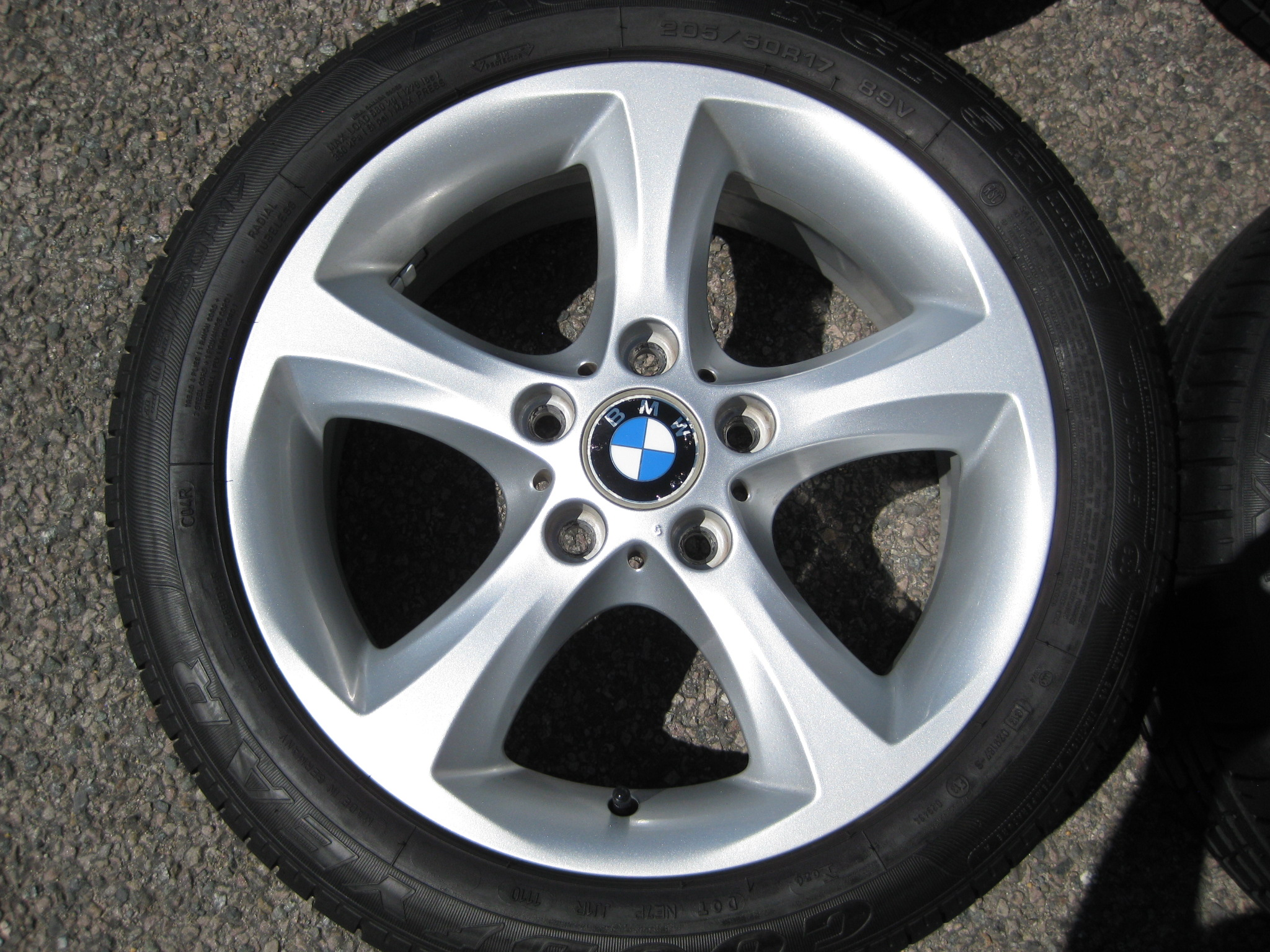"USED 17"" GENUINE STYLE 256 1 SERIES 5 SPOKE ALLOY WHEELS,NEAR UNMARKED, INC VG GOODYEAR RUNFLATS"