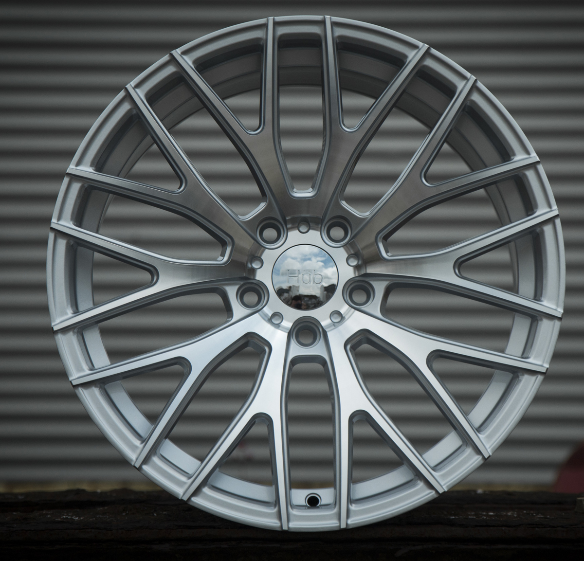 "NEW 19"" HUB V20 ALLOYS IN SILVER POL ET45, BM Autosport Ltd"
