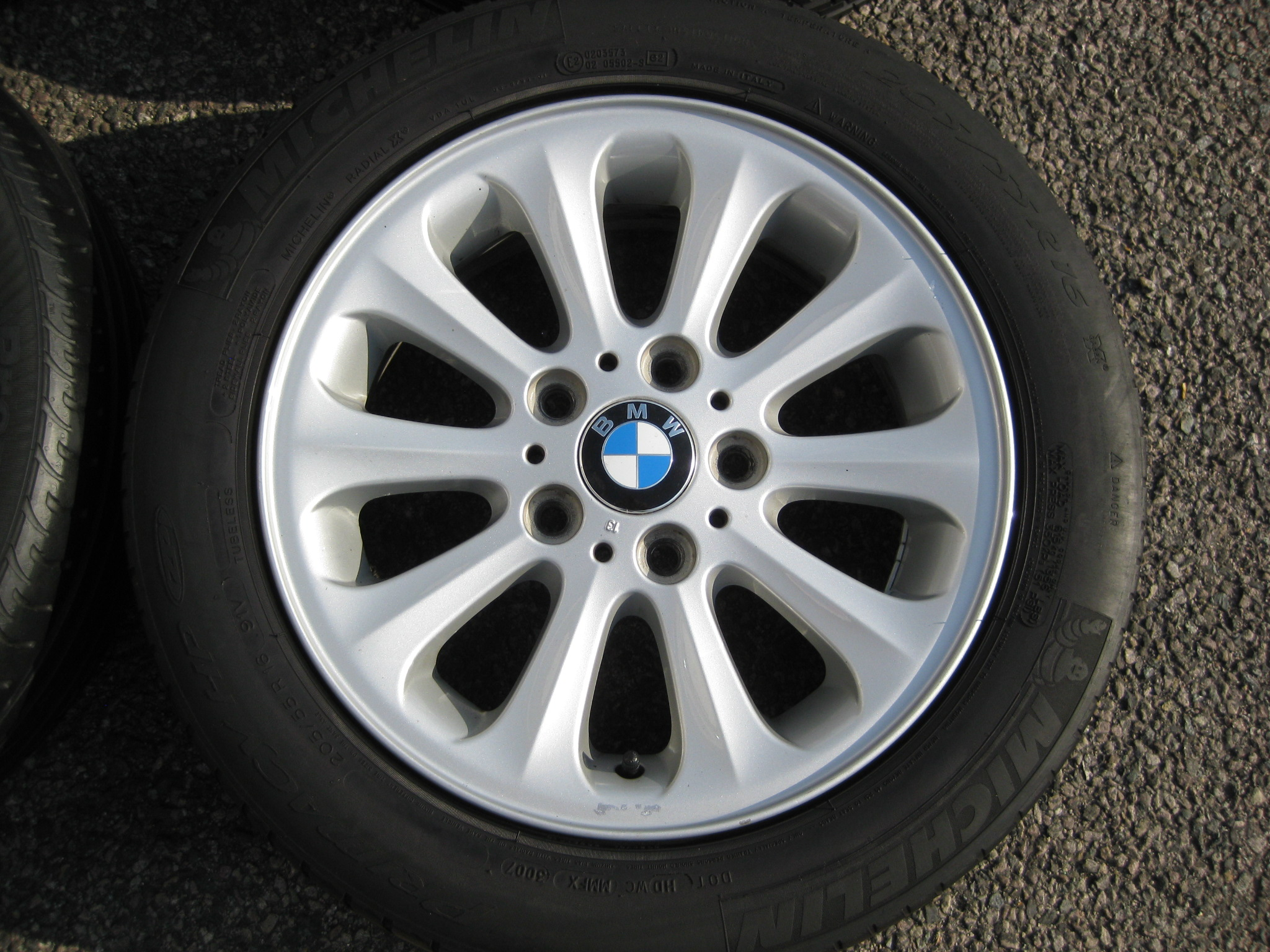 "USED 16"" GENUINE STYLE 139 RADIAL SPOKE ALLOY WHEELS, CLEAN INC GOOD RUNFLAT TYRES"