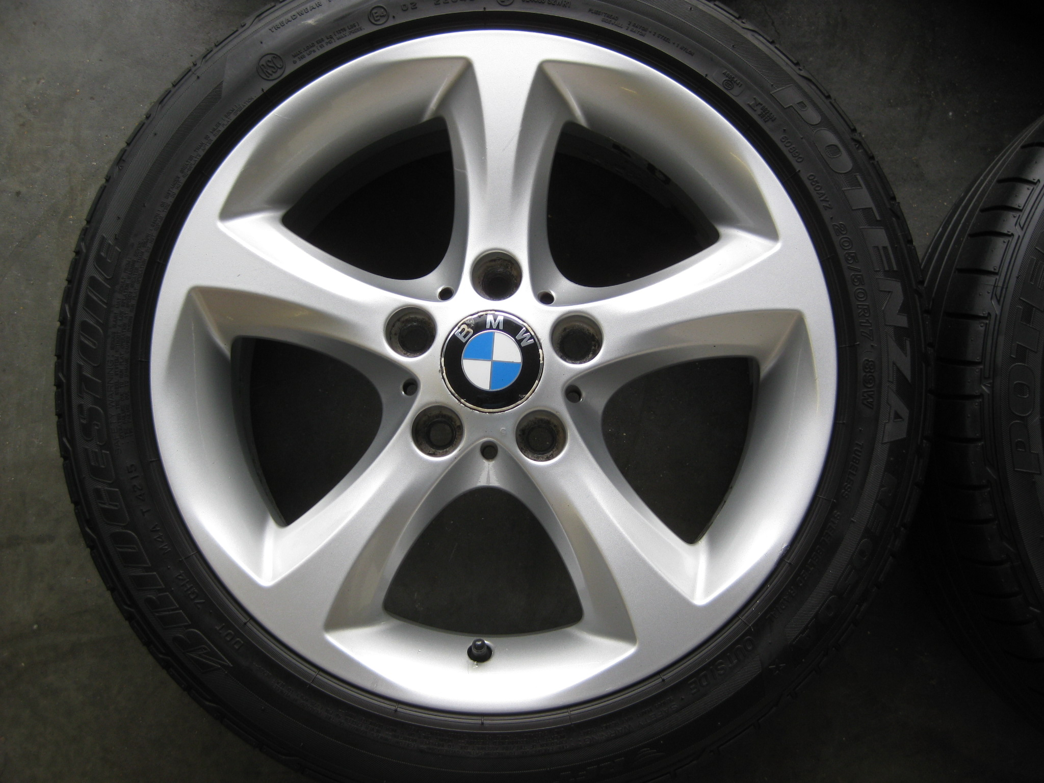 "USED 17"" GENUINE STYLE 256 1 SERIES 5 SPOKE ALLOY WHEELS,GC INC BRIDGESTONE RUNFLAT TYRES"