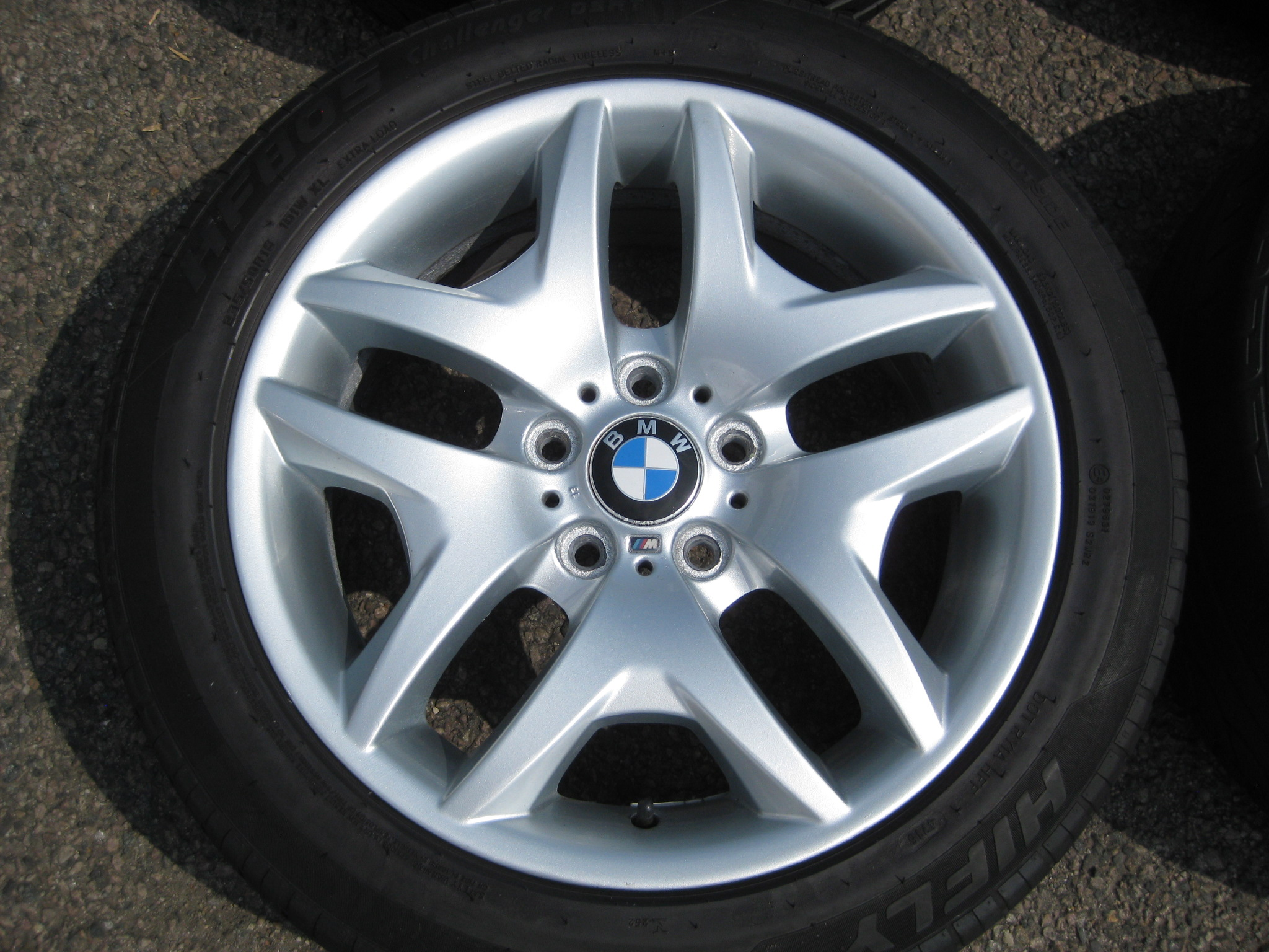 "USED 18"" GENUINE STYLE 192 SPORT V SPOKE ALLOYS, WIDE REAR, VGC INC TYRES"