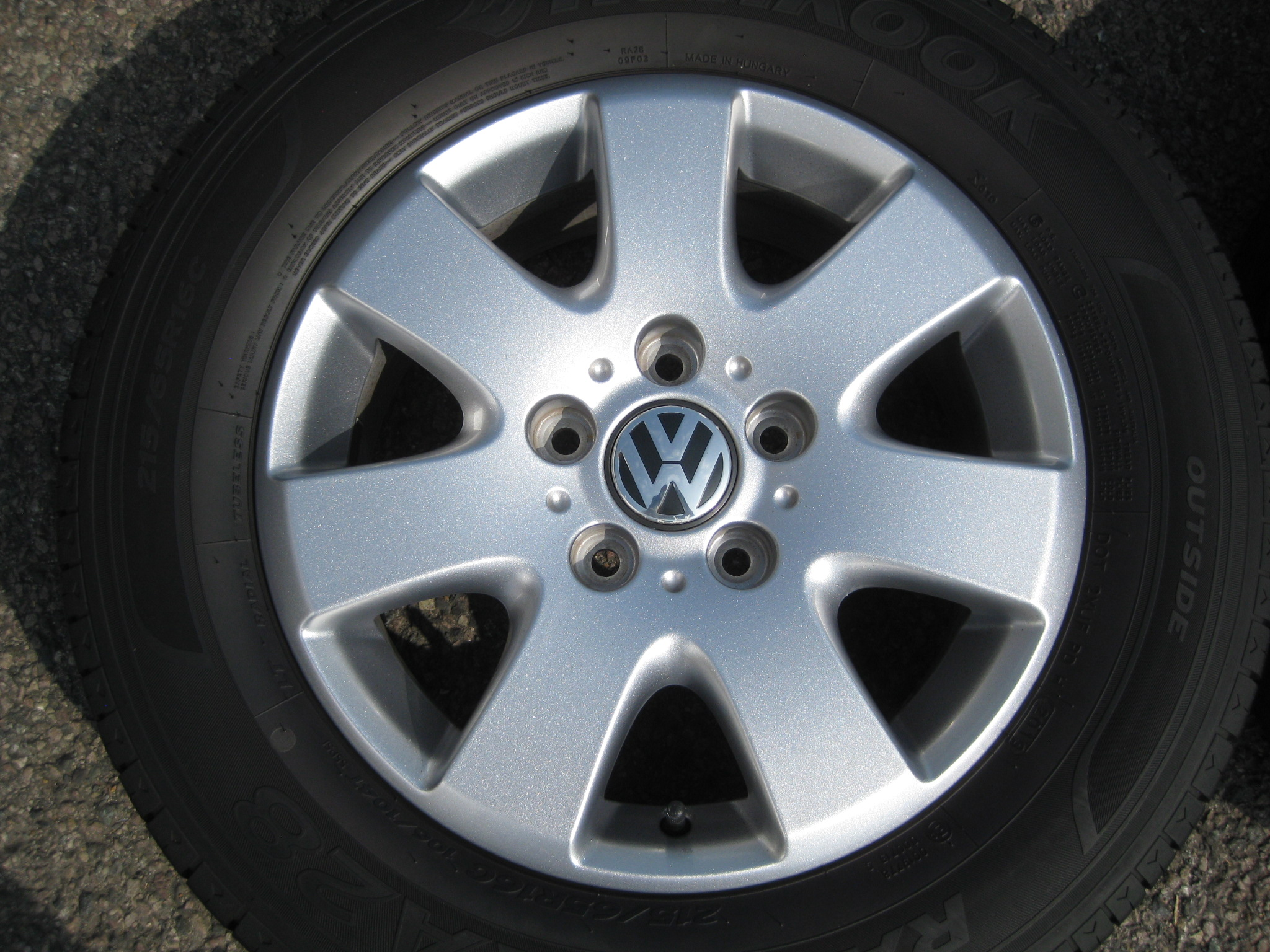 "USED 16"" GENUINE VW TRANSPORTER T5/6 ALLOYS, EXCELLENT CONDITION INC GOOD HANKOOK TYRES"