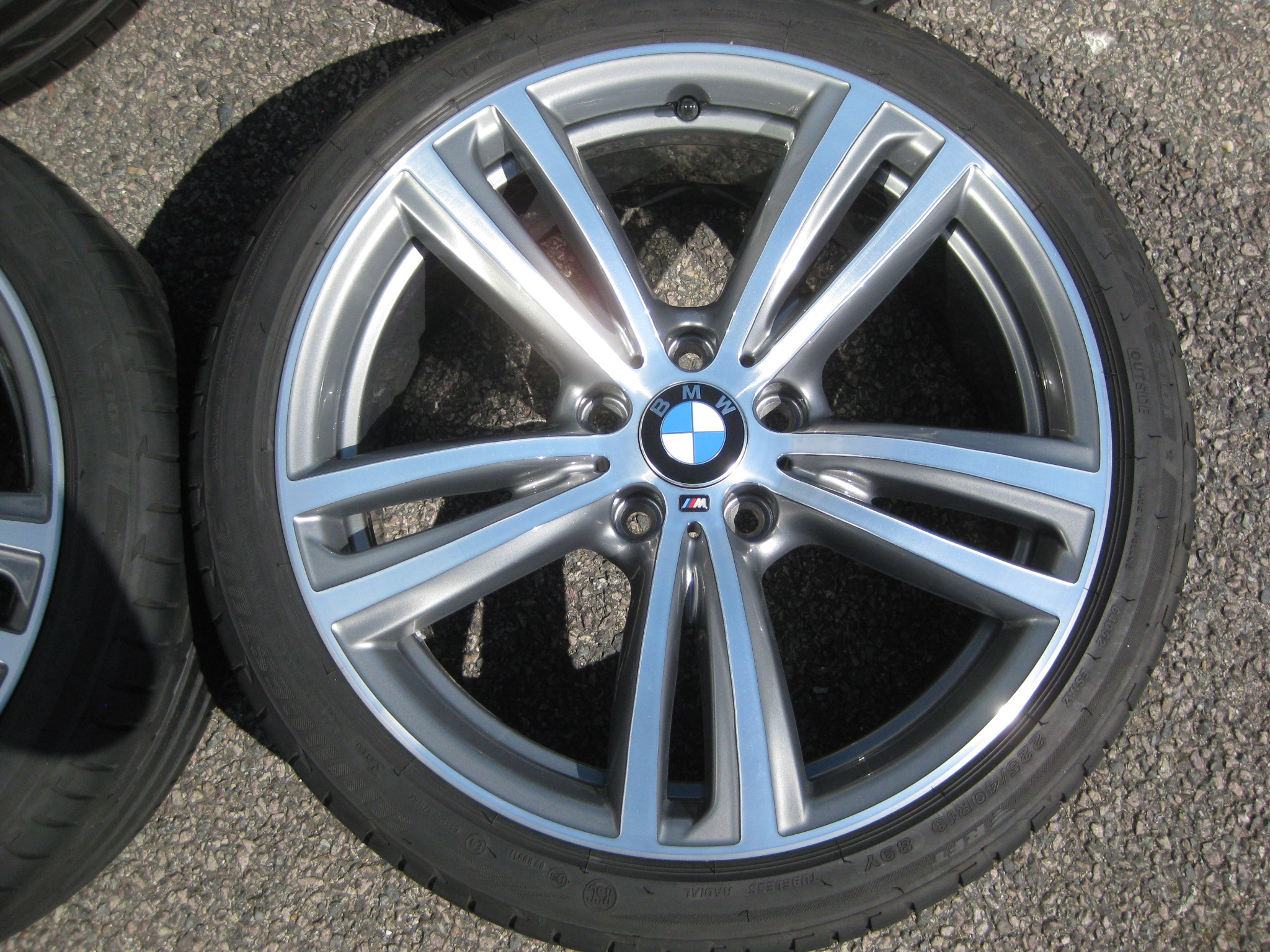 "USED 19"" GENUINE STYLE 442 F30/31 M DOUBLE 5 SPOKE ALLOY WHEELS, FULLY REFURB INC VERY GOOD BRIDGESTONE RUNFLATS"