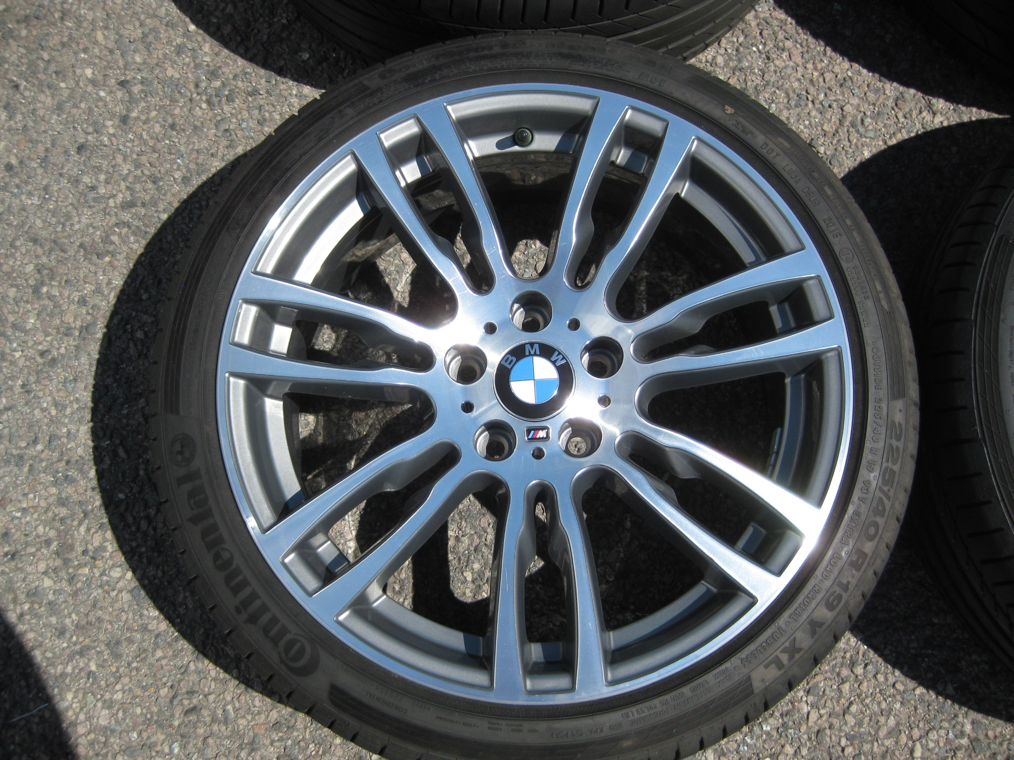 "USED 19"" GENUINE STYLE 403 F30/31 M DOUBLE SPOKE ALLOYS, FULLY REFURBED INC GOOD CONTINENTAL RUNFLATS"
