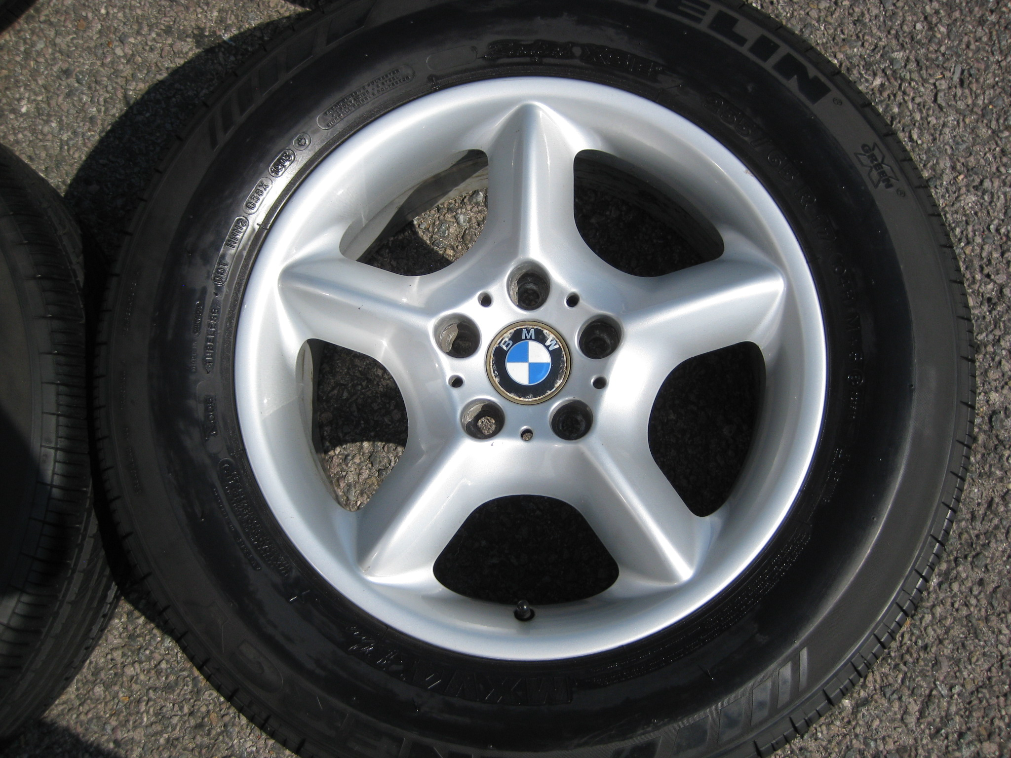 "USED 17"" GENUINE STYLE 57 E53 5 SPOKE ALLOYS,VGC INC GOOD MICHELIN TYRES"