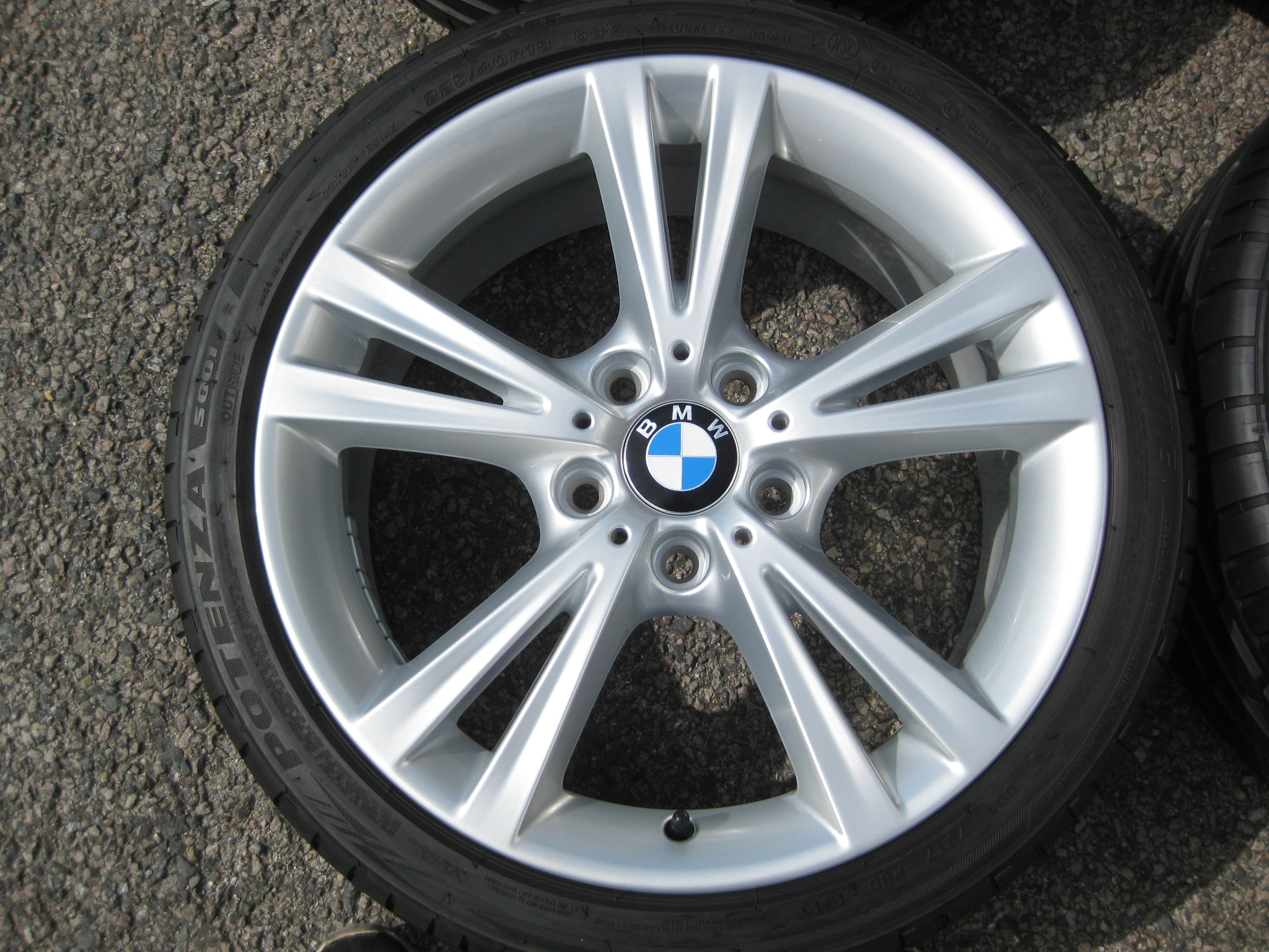 "USED 18"" GENUINE STYLE 385 1 SERIES TWIN SPOKE ALLOYS,FULLY REFURBED WIDER REAR INC VG BRIDGESTONE RUNFLATS"