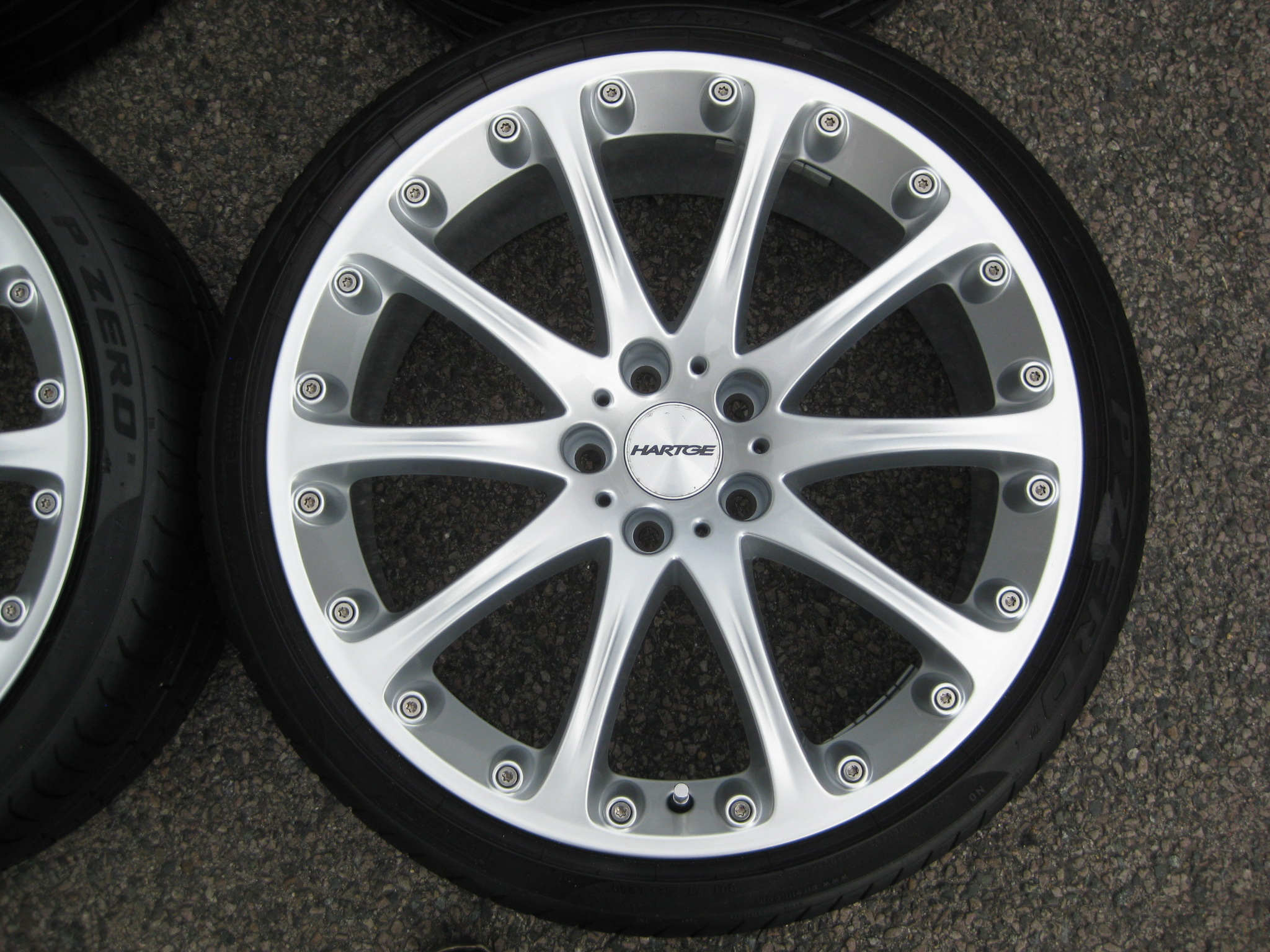 "USED 20"" GENUINE HARTGE CLASSIC 2 ALLOYS,WIDE 10"" REAR, FULLY REFURBED INC TYRES"