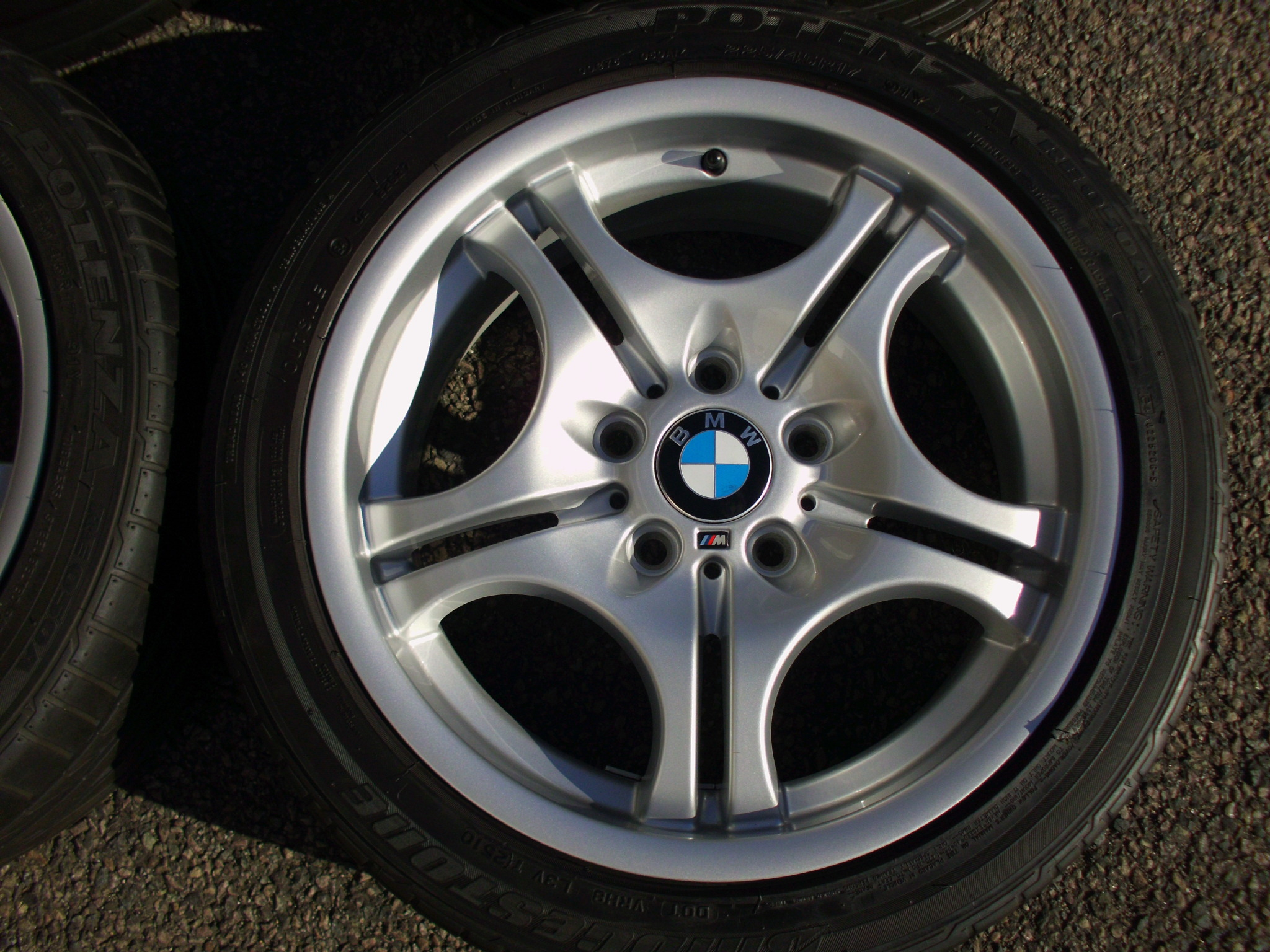 "USED 17"" GENUINE STYLE 68 M DOUBLE SPOKE ALLOYS, FULLY REFURBED, WIDE REAR INC GOOD TYRES"