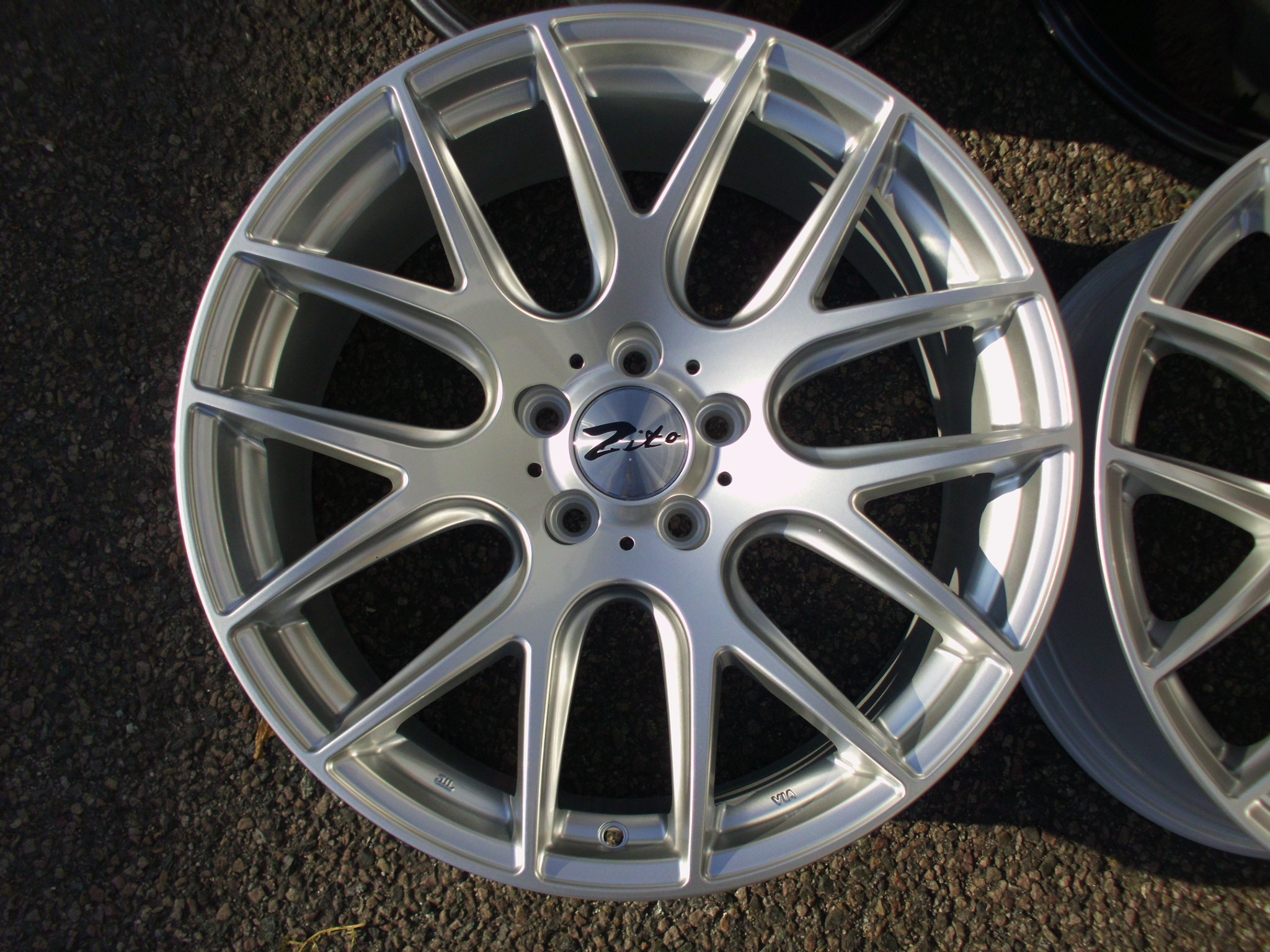 "NEW/USED 19"" ZITO 935 ALLOY WHEELS IN HYPER SILVER, BIG CONCAVE 9.5"" REARS,et30 front / et35 rear"