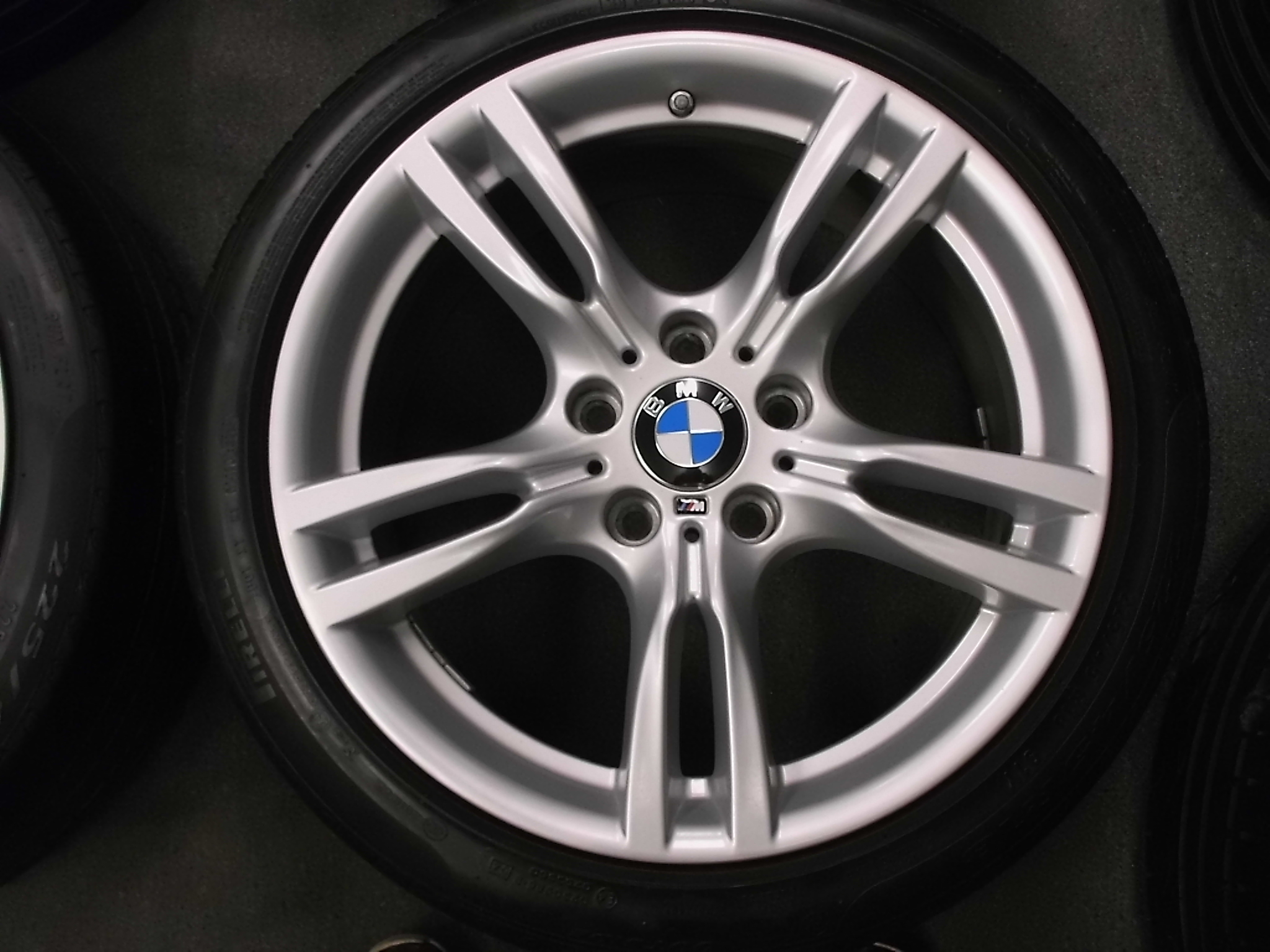 "USED 18"" GENUINE STYLE 400 M SPORT ALLOYS,WIDER REARS,VGC, INC RUNFLAT TYRES + TPMS"