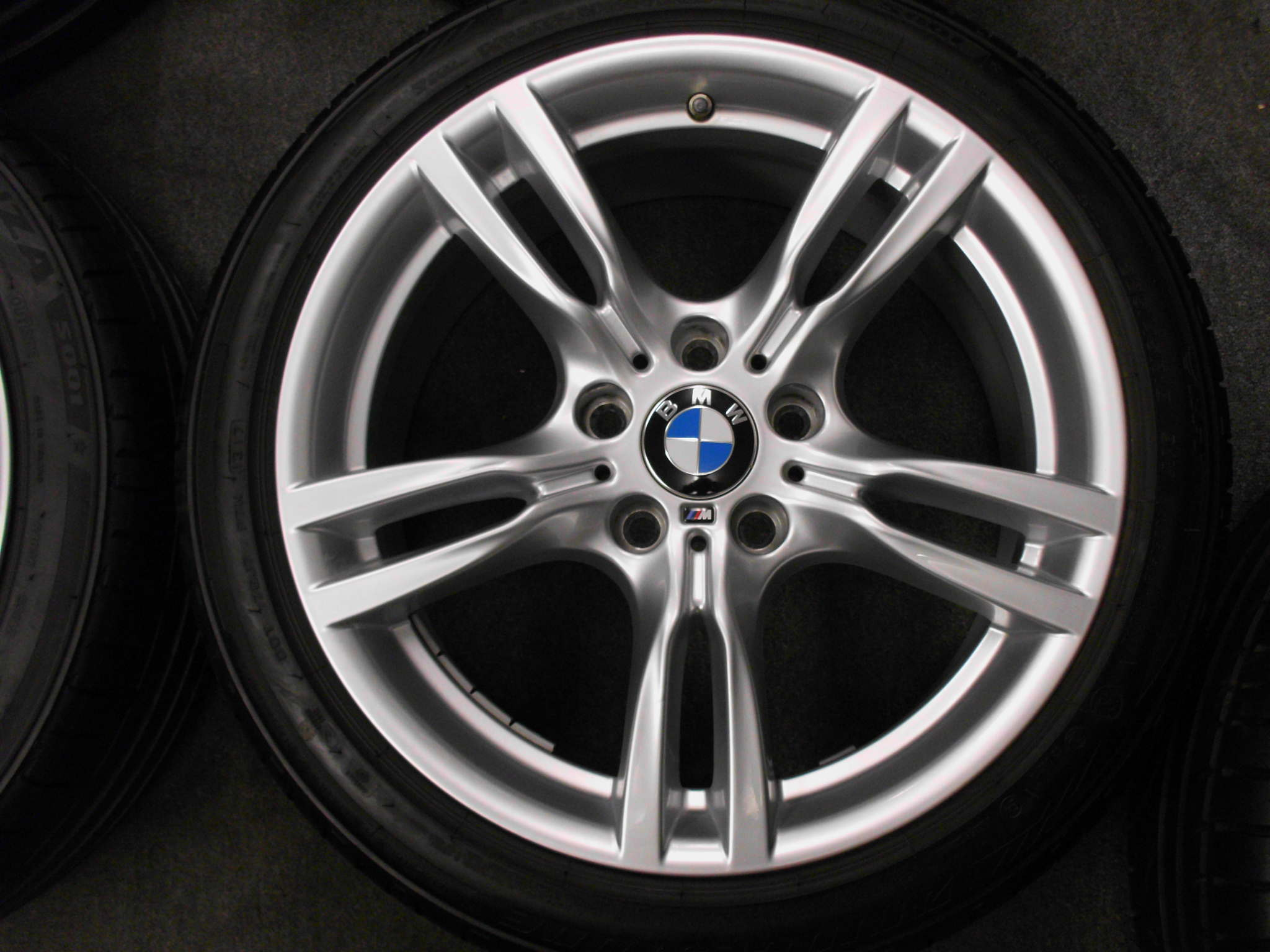 "USED 18"" GENUINE STYLE 400 M SPORT ALLOYS,WIDER REARS,EXCELLENT UNMARKED, INC VG BRIDGESTONE RUNFLAT TYRES + TPMS"
