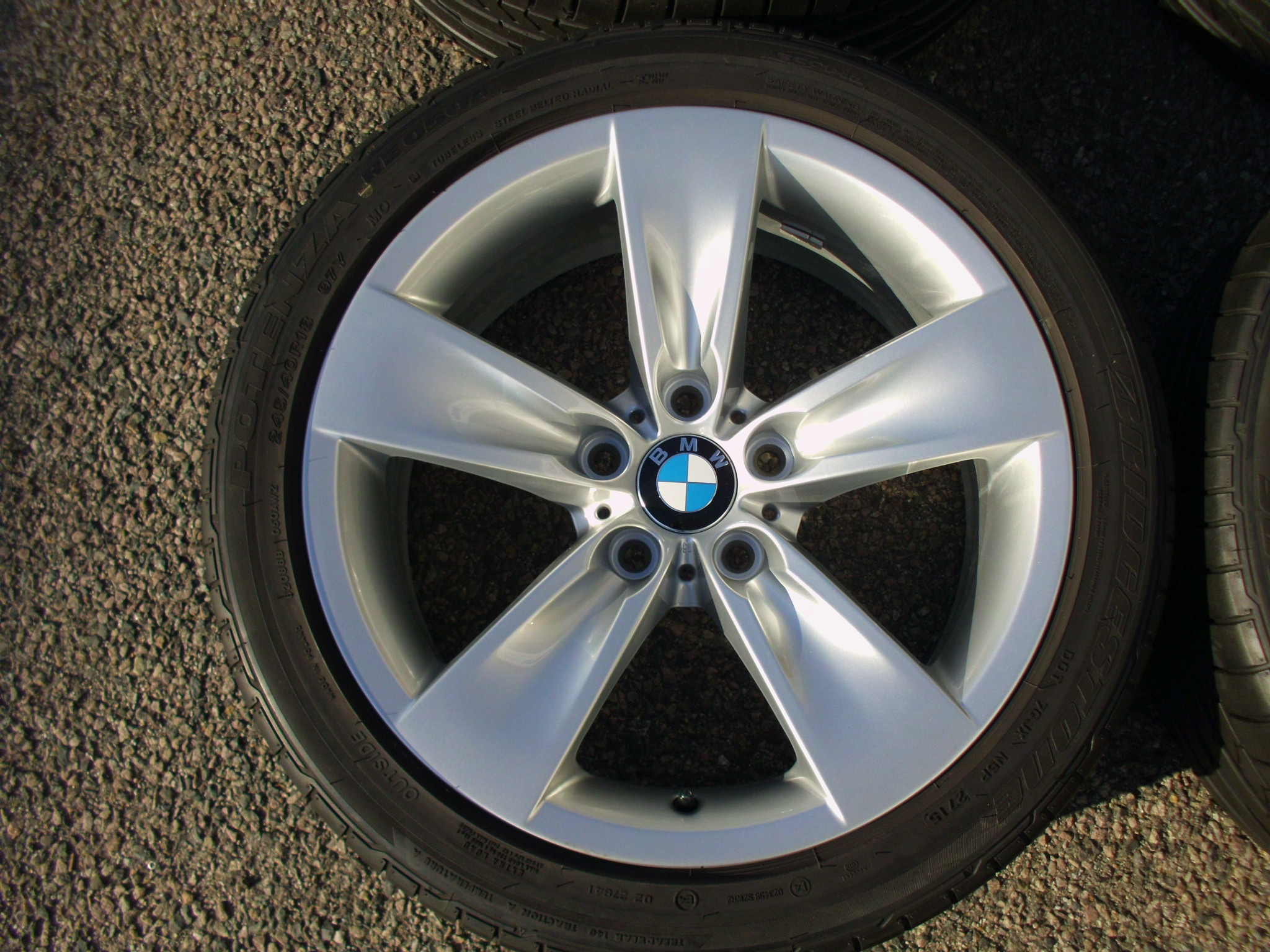 "USED 18"" GENUINE STYLE 246 5 SPOKE E60 ALLOYS, FULLY REFURBED INC VERY GOOD BRIDGESTONE NON RUNFLAT TYRES"