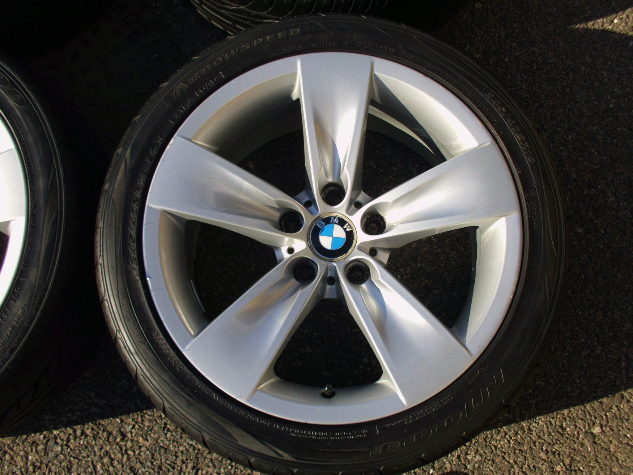 "USED 18"" GENUINE STYLE 246 5 SPOKE E60 ALLOYS,GOOD CLEAN CONDITION INC GOOD NON RUNFLAT TYRES"