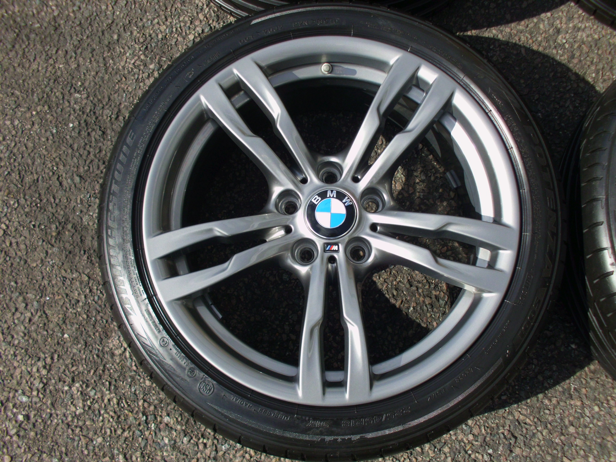 "USED 18"" GENUINE STYLE 441 M SPORT ALLOYS,AS NEW,FERRIC GREY,WIDER REARS, INC VG BRIDGESTONE RUNFLAT TYRES AND TPMS"