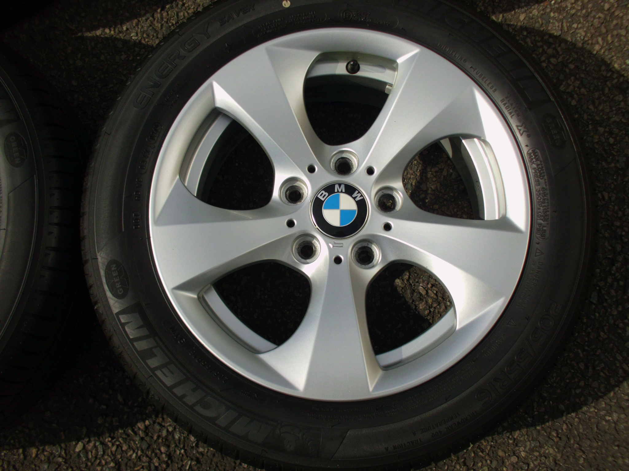 "USED 16"" GENUINE STYLE 306 TURBINE DIRECTIONAL ALLOY WHEELS, VERY GOOD CONDITION INC GOOD MICHELIN TYRES"