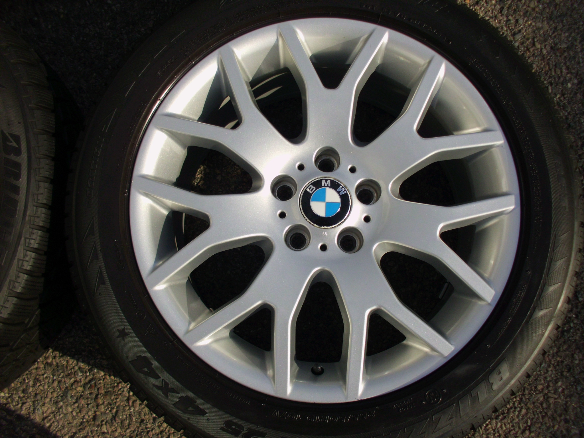 "USED 19"" GENUINE STYLE 177 E70 X5 CROSS SPOKE ALLOYS, VGC,WITH VG MATCHING BRIDGESTONE RUNFLAT WINTER TYRES"