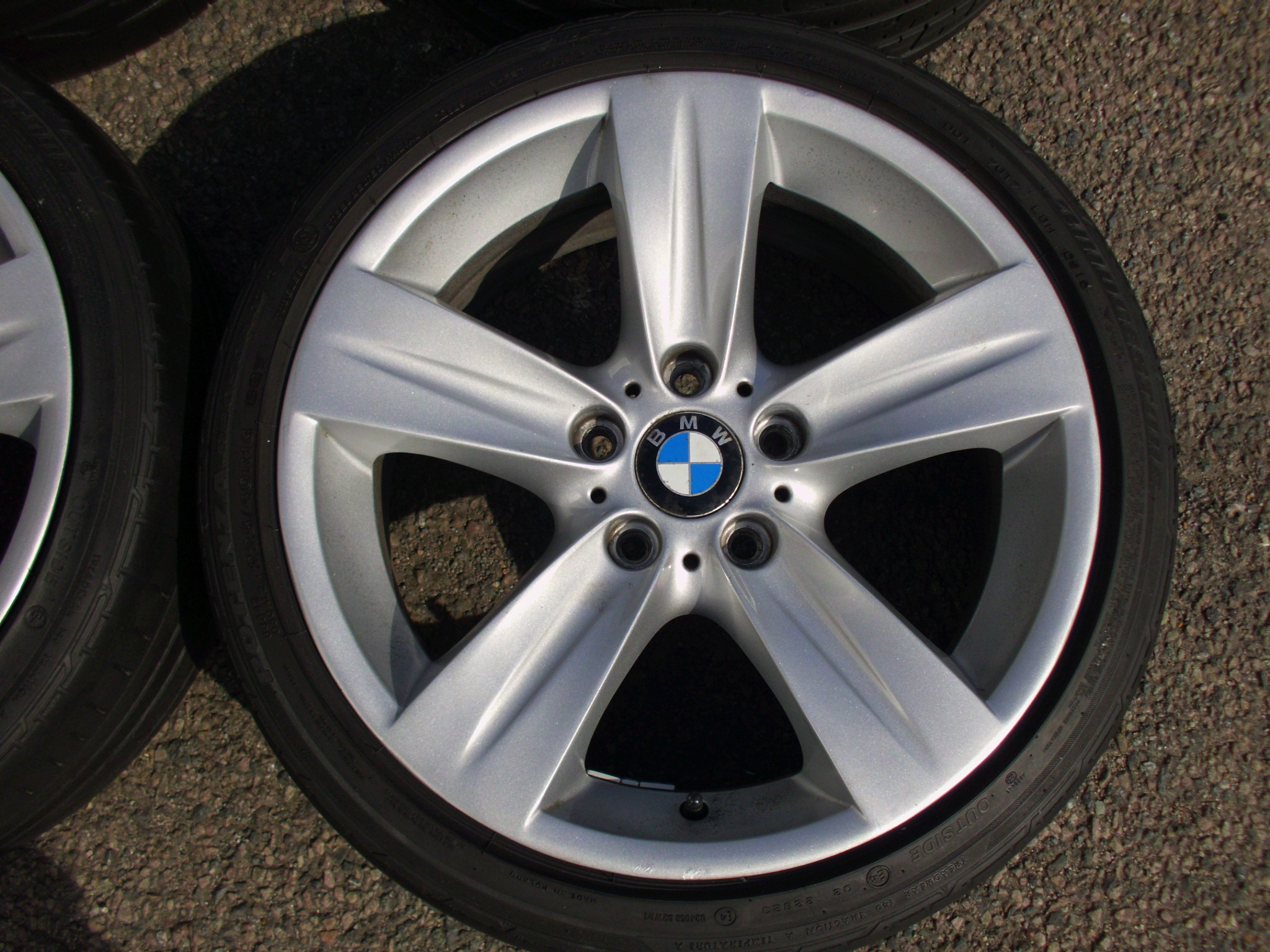 "USED 18"" GENUINE STYLE 189 E92 5 SPOKE ALLOY WHEELS, CLEAN ,WIDE REAR INC RUNFLAT TYRES"