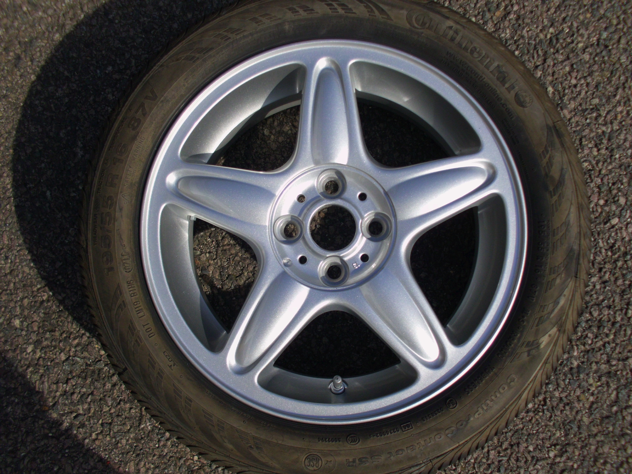 "USED SINGLE 16"" GENUINE MINI COOPER S R103 5 STAR ALLOY WHEEL,AS NEW INC AS NEW CONTINENTAL RUNFLAT TYRE"