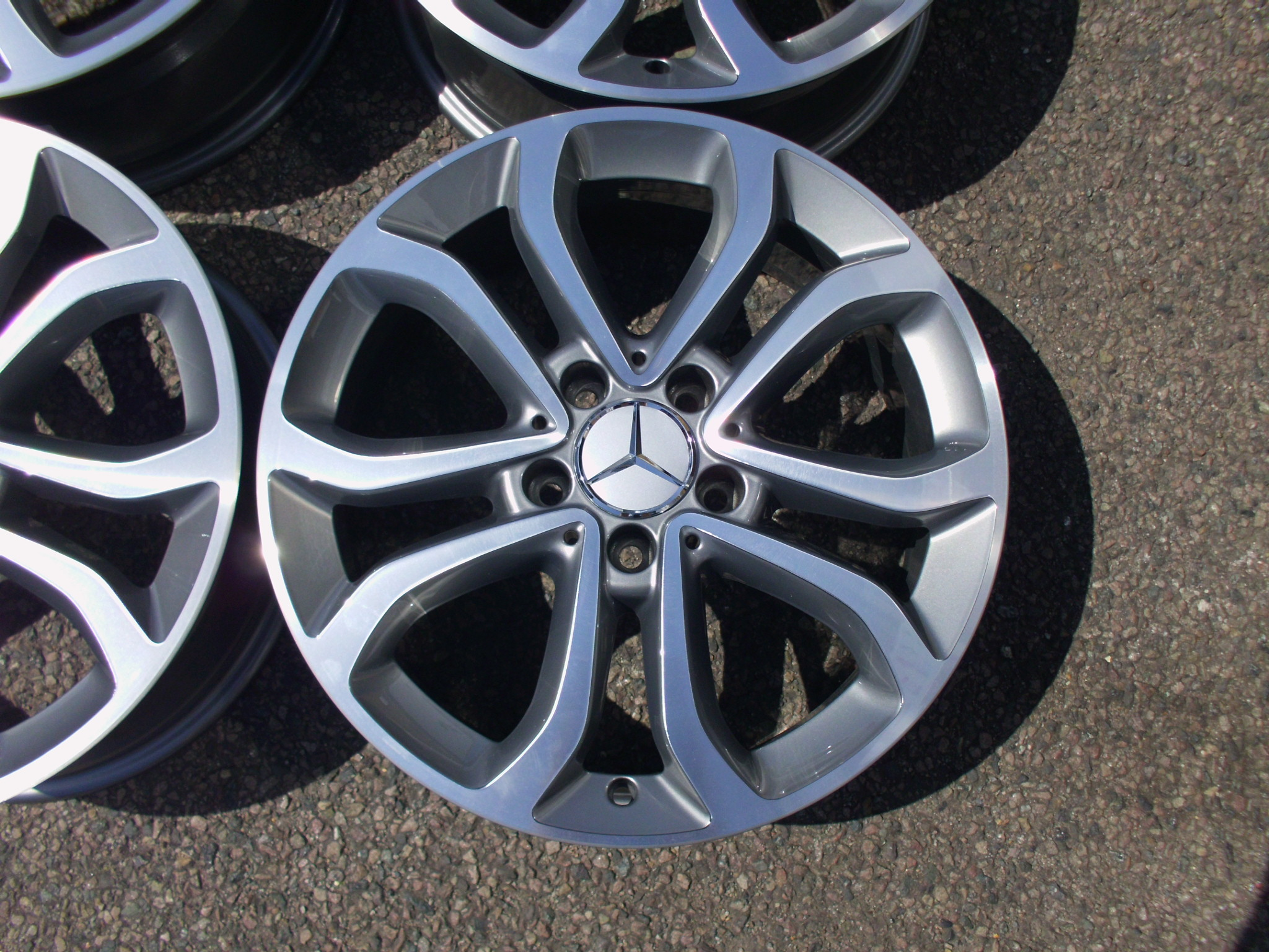 "USED 17"" GENUINE MERCEDES 5 TWIN SPOKE ALLOY WHEELS,FULLY REFURBED , W205 204 C CLASS + FIT A/B CLASS"