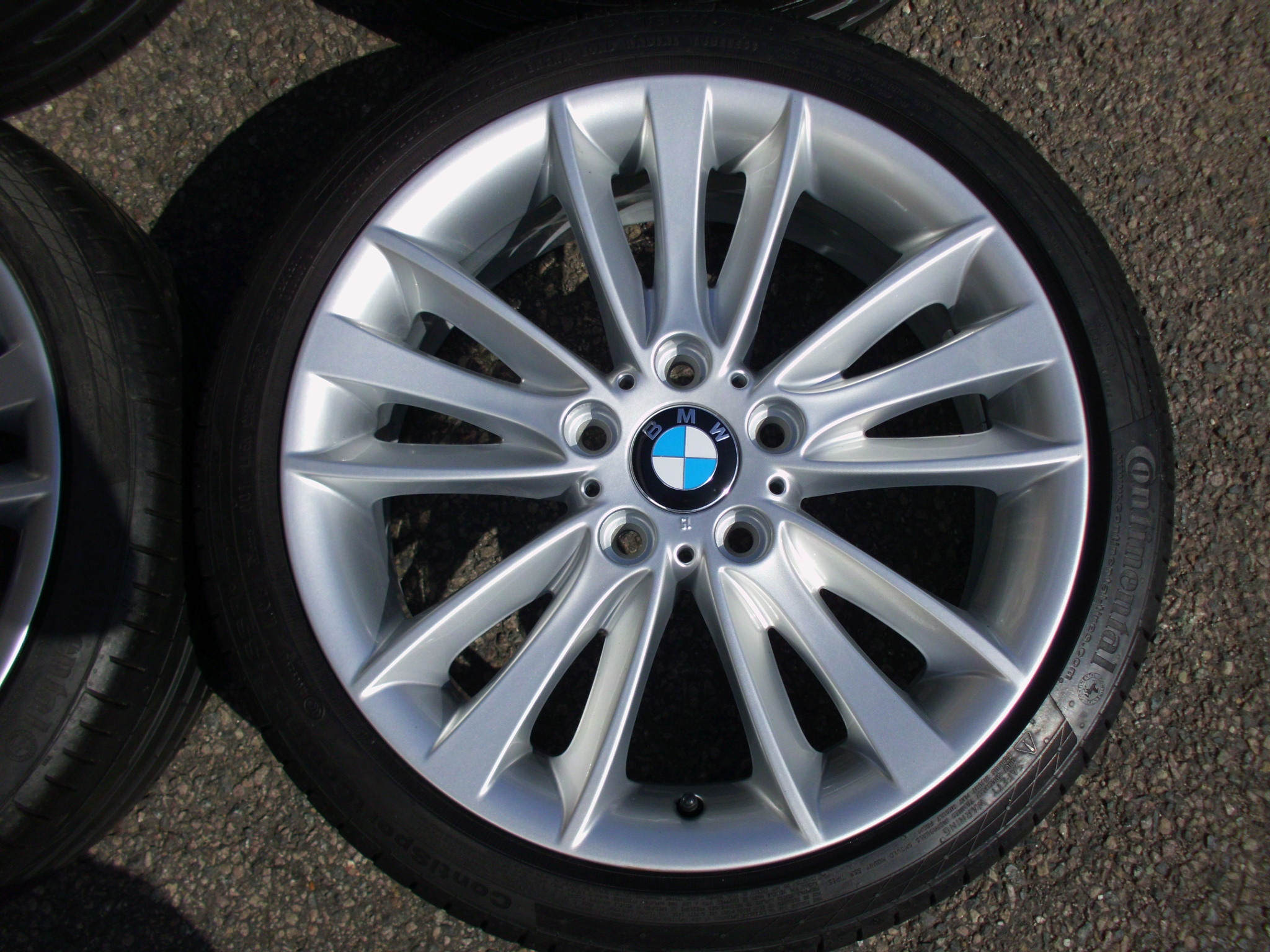 "USED 18"" GENUINE STYLE 263 1 SERIES W SPOKE ALLOY WHEELS, FULLY REFURBED INC GOOD RUNFLAT TYRES"