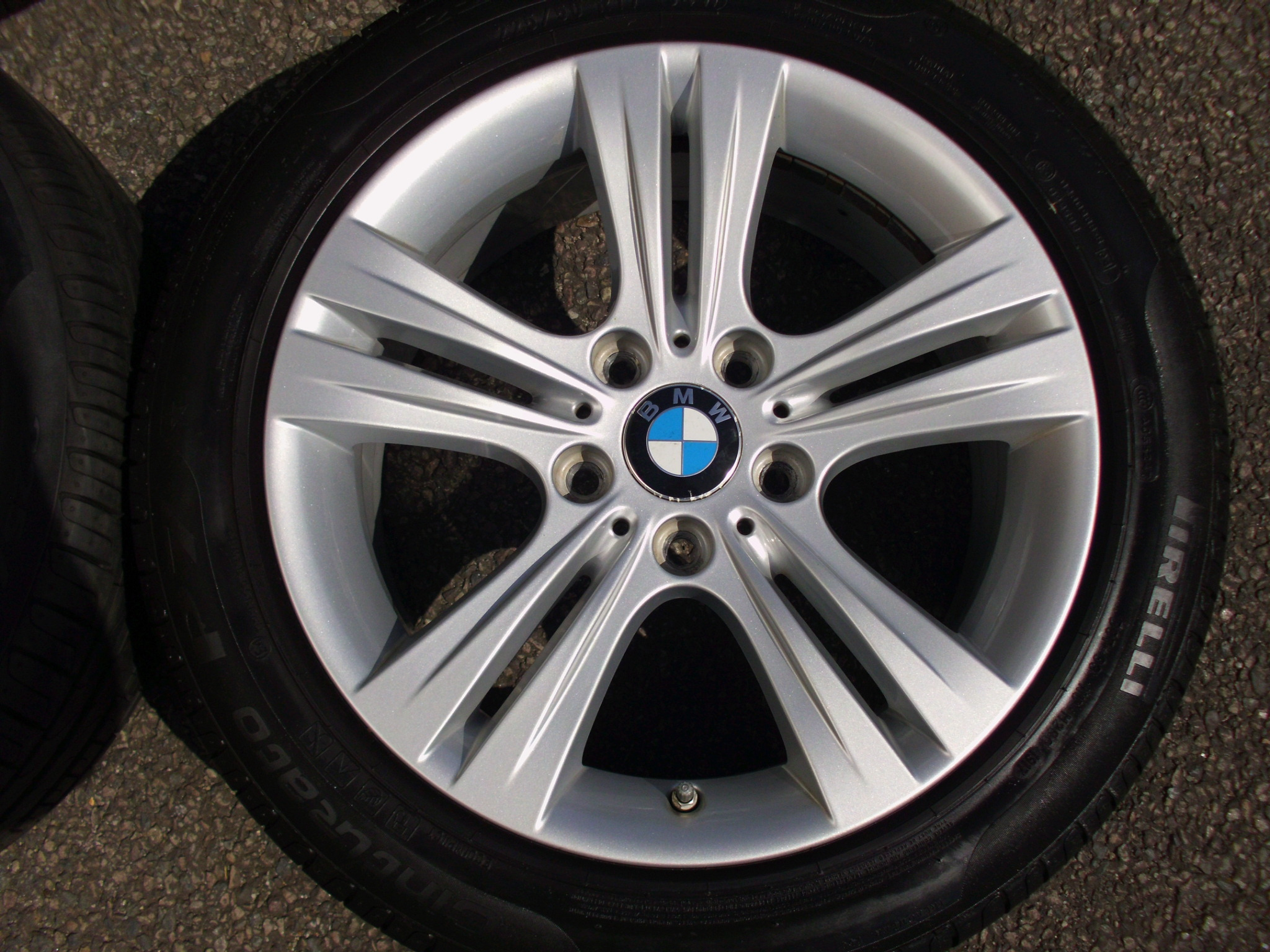 "USED 17"" GENUINE BMW STYLE 392 F30 5 SPOKE ALLOY WHEELS, VGC INC PIRELLI RUNFLATS AND TPMS"
