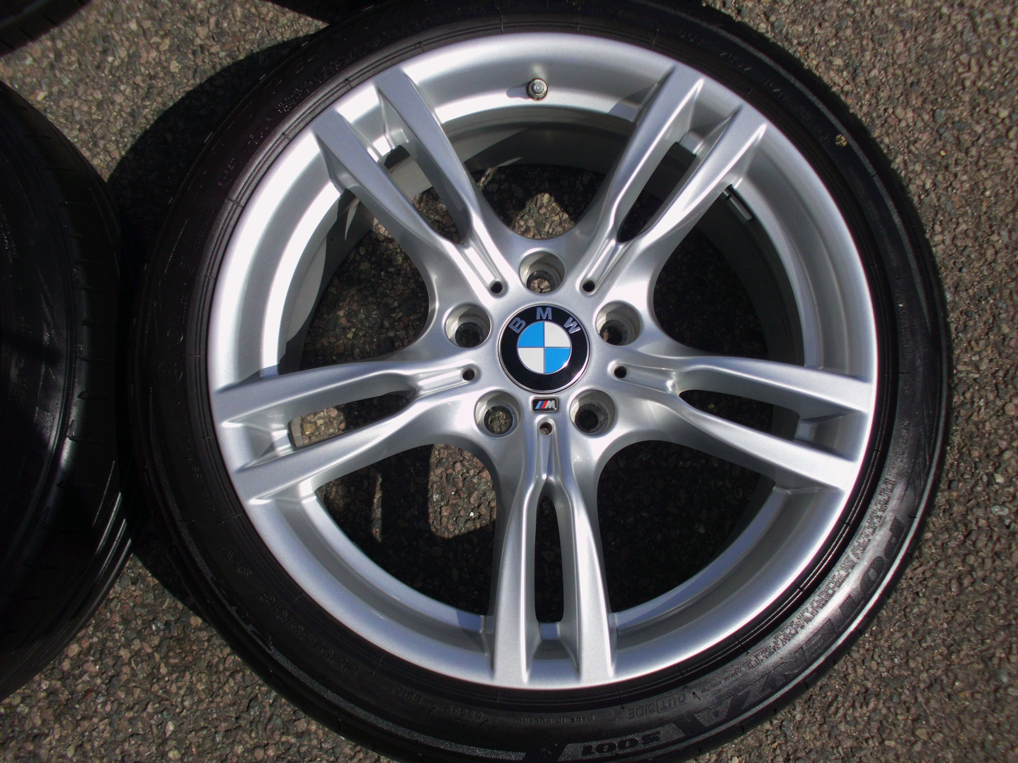 "USED 18"" GENUINE STYLE 400 M SPORT ALLOY WHEELS, WIDER REARS,EXCELLENT UNMARKED, INC GOOD BRIDGESTONE RUNFLAT TYRES + TPMS"