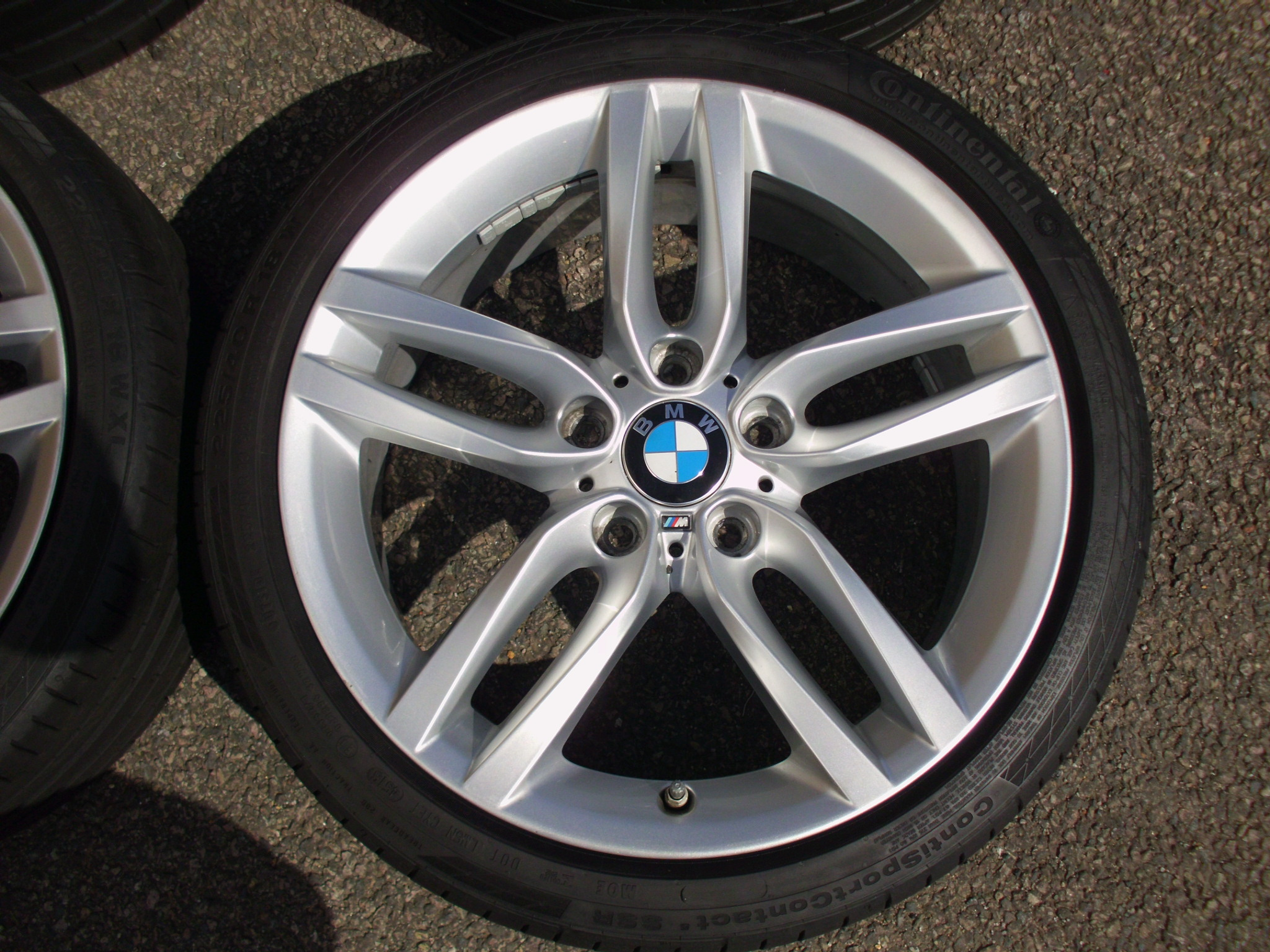 "USED 18"" GENUINE STYLE 461M F20 1 SERIES M SPORT DOUBLE SPOKE ALLOYS, GOOD CONDITION INC CONTINENTAL RUNFLAT TYRES"