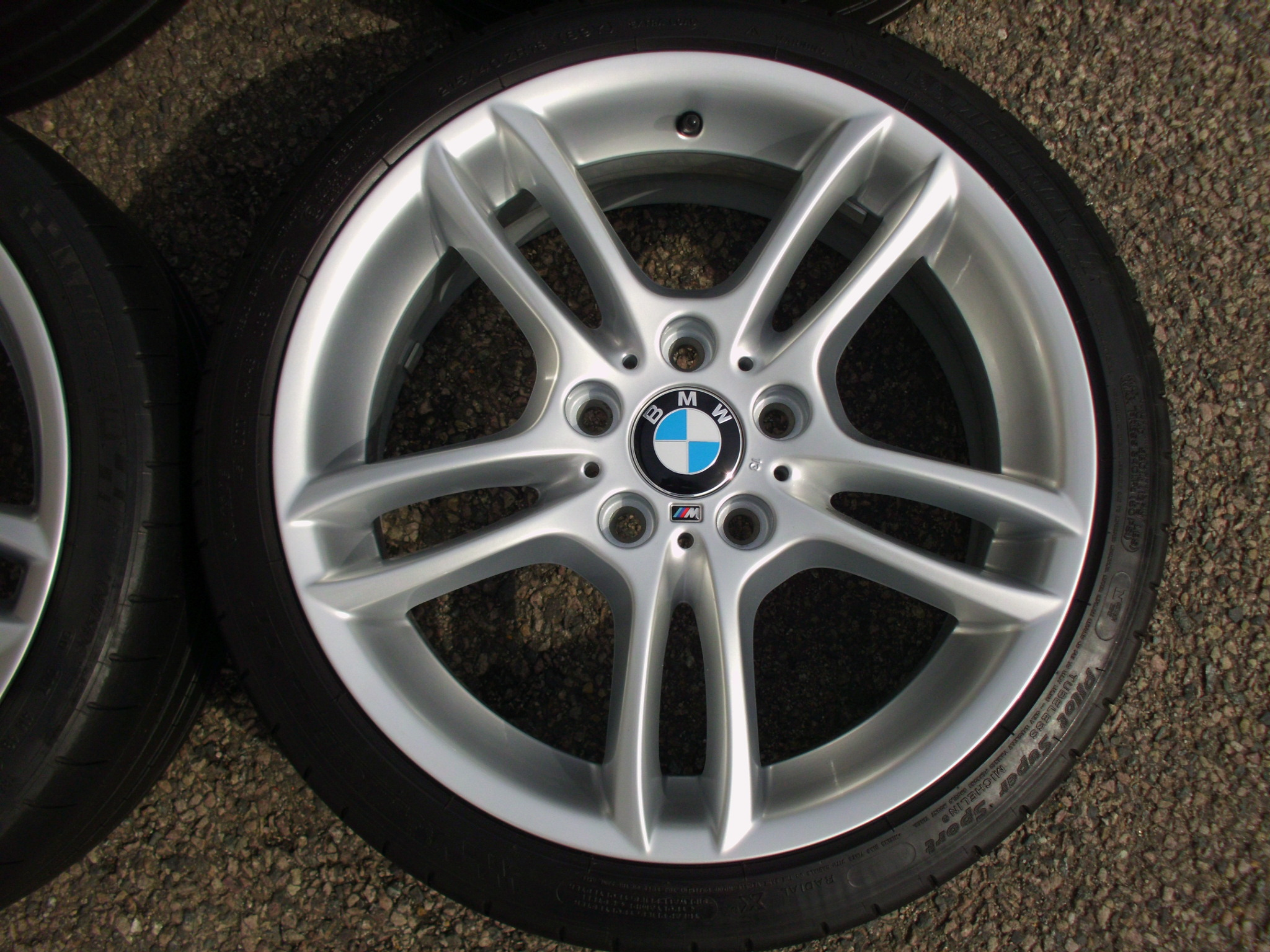 "USED 18"" GENUINE STYLE 261 1 SERIES M SPORT DOUBLE SPOKE ALLOYS,WIDE REAR,FULLY REFURBED INC MICHELIN PILOT SPORT TYRES"