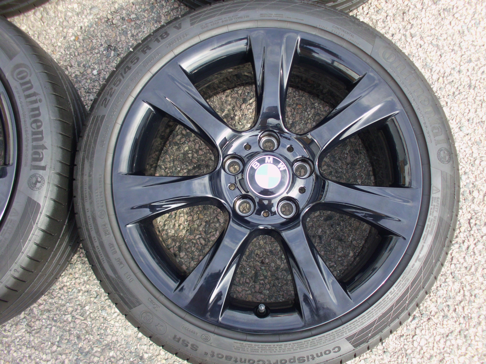 "USED 18"" GENUINE STYLE 396 7 SPOKE ALLOY WHEELS, FULLY REFURBED IN GLOSS BLACK, INC GOOD CONTINENTAL RUNFLAT TYRES"