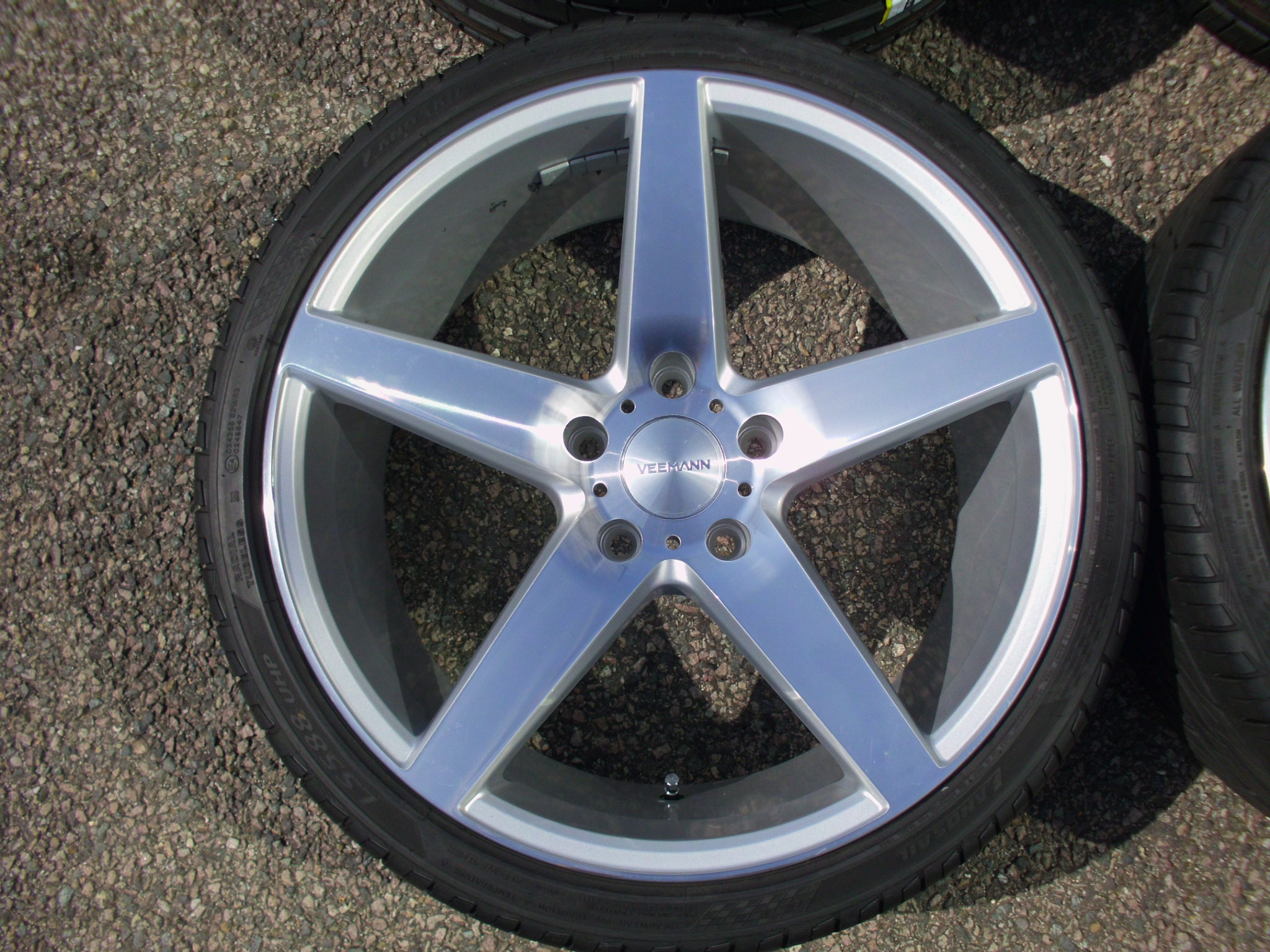 "USED 19"" VEEMANN V-FS8 ALLOY WHEELS IN SILVER WITH POLISHED FACE, DEEP CONCAVE 9.5"" REARS INC TYRES"
