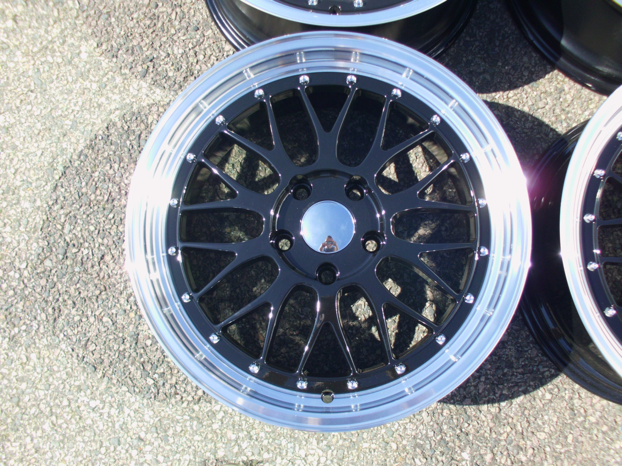 "NEW 18"" LM CROSS SPOKE SPLIT RIM LOOK ALLOY WHEELS IN GLOSS BLACK WITH POLISHED DISH"