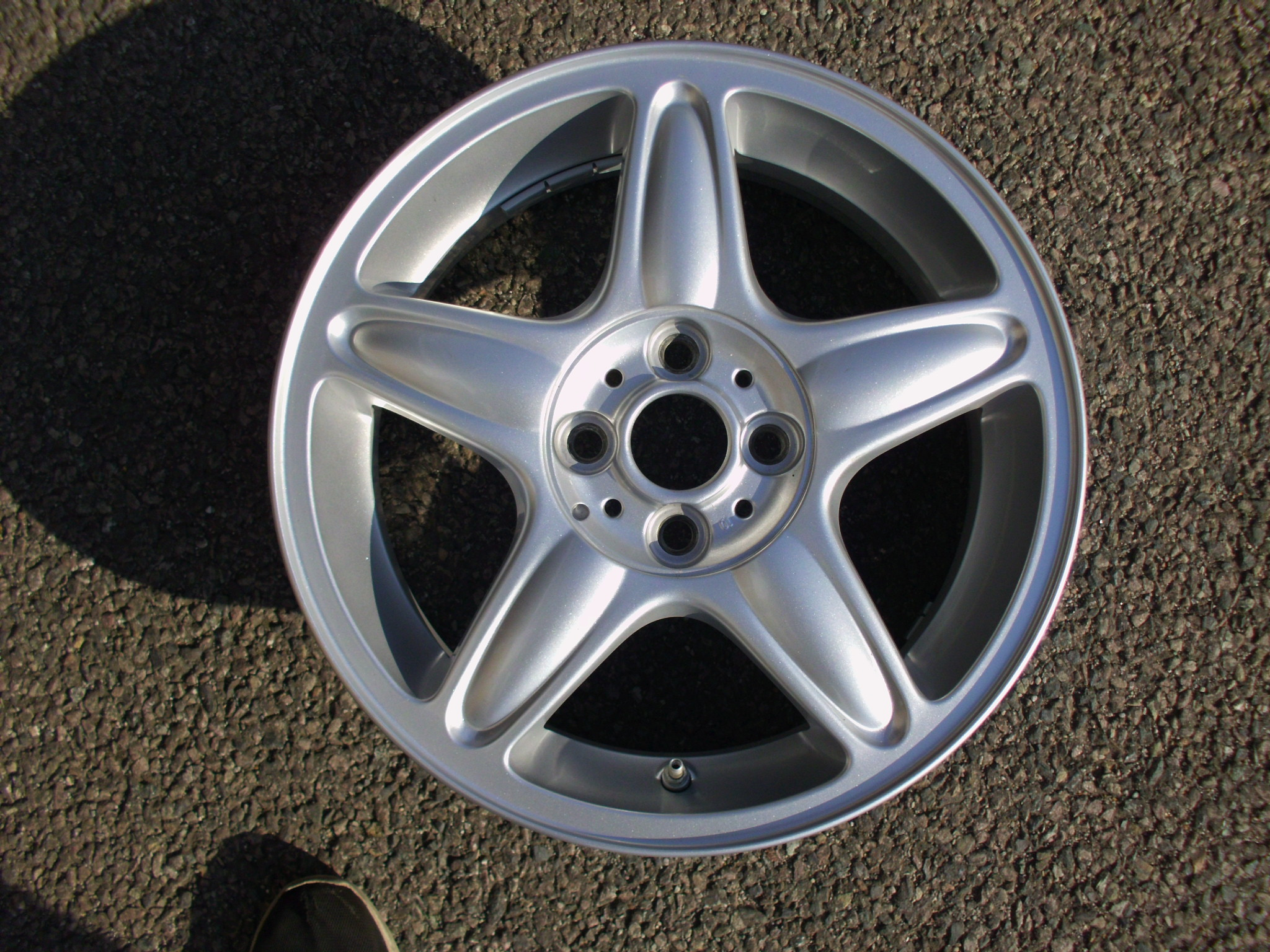 "USED SINGLE 16"" GENUINE MINI COOPER S R103 5 STAR ALLOY WHEEL,AS NEW INC TPMS SENSOR"