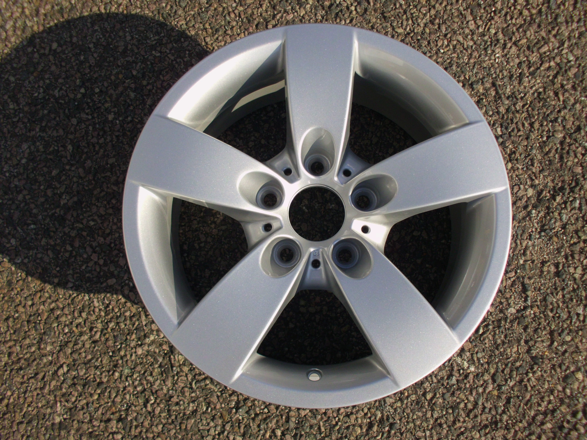 "NEW EX DISPLAY SINGLE 16"" GENUINE BMW E60 STYLE 242 5 SPOKE ALLOY WHEEL"